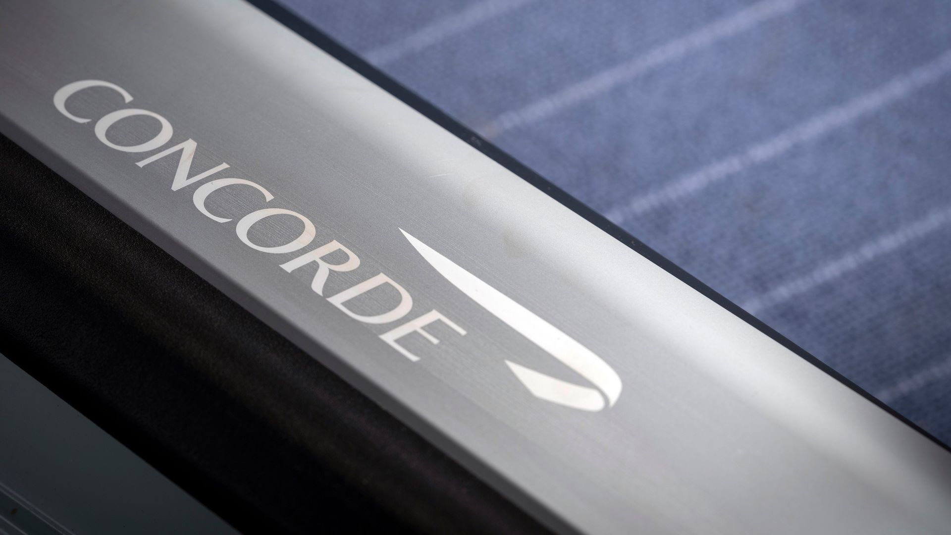 2021-aston-martin-dbs-superleggera-concorde-edition-4