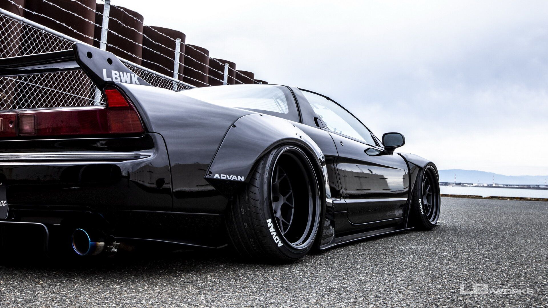 First-gen-Honda-NSX-by-Liberty-Walk-3