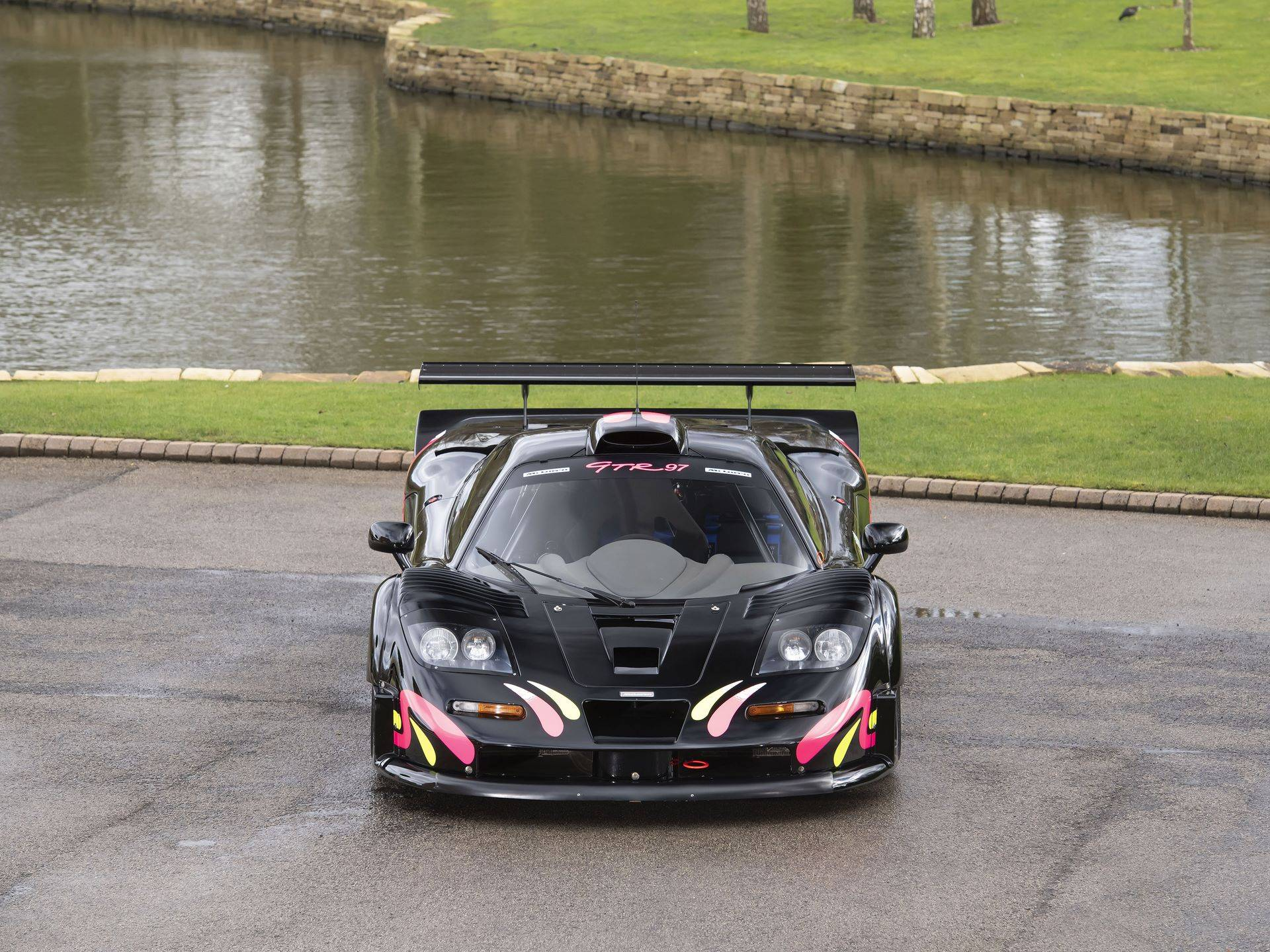 McLaren-F1-GTR-001