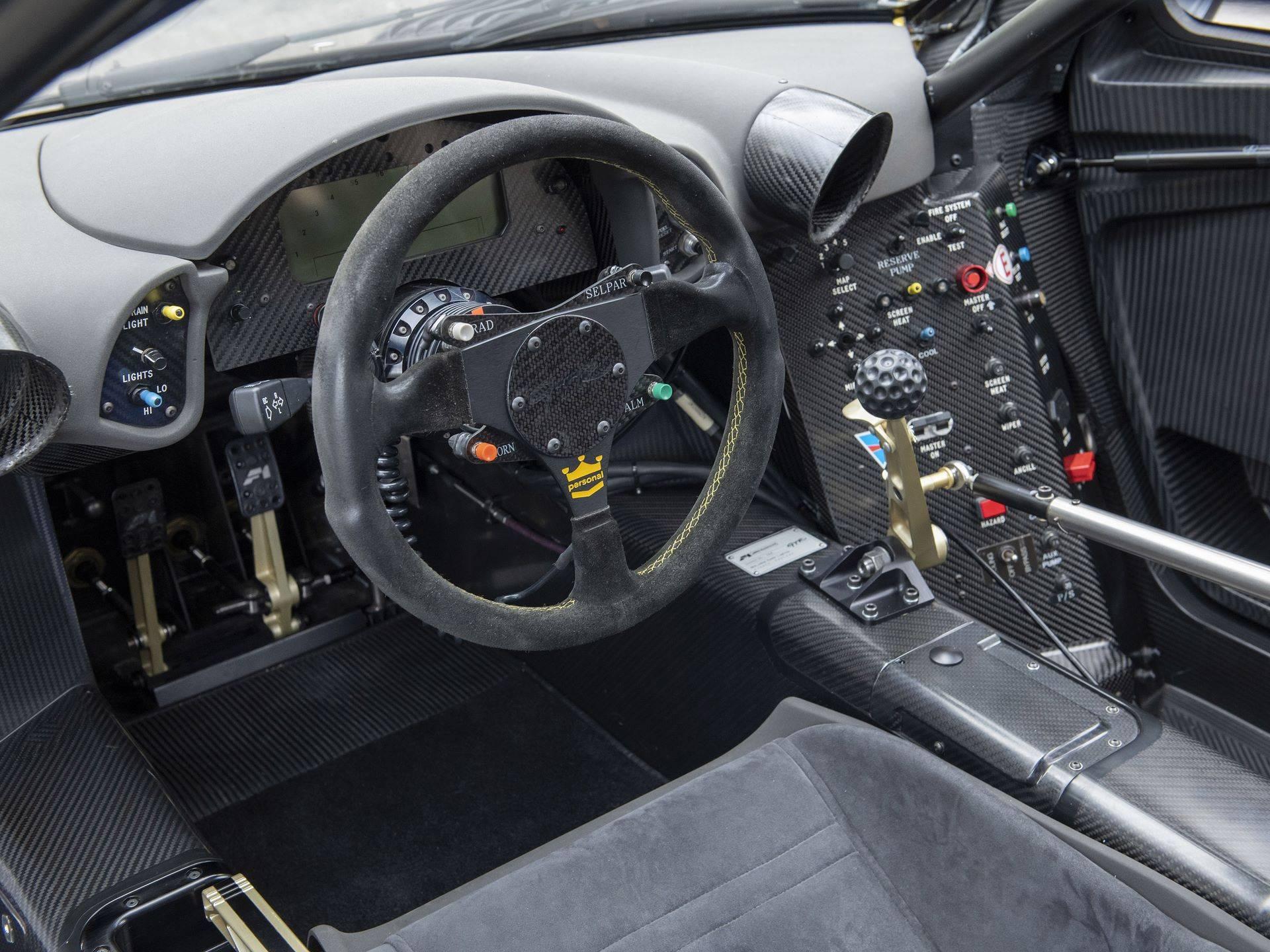 McLaren-F1-GTR-076