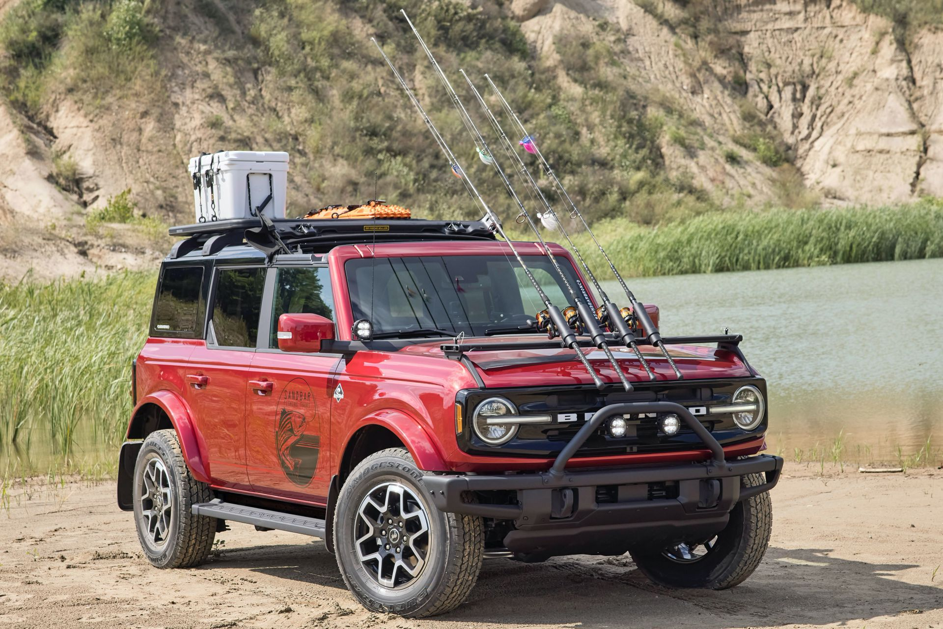 Ford-Bronco-4-Door-Outer-Banks-Fishing-Guide-Concept-1