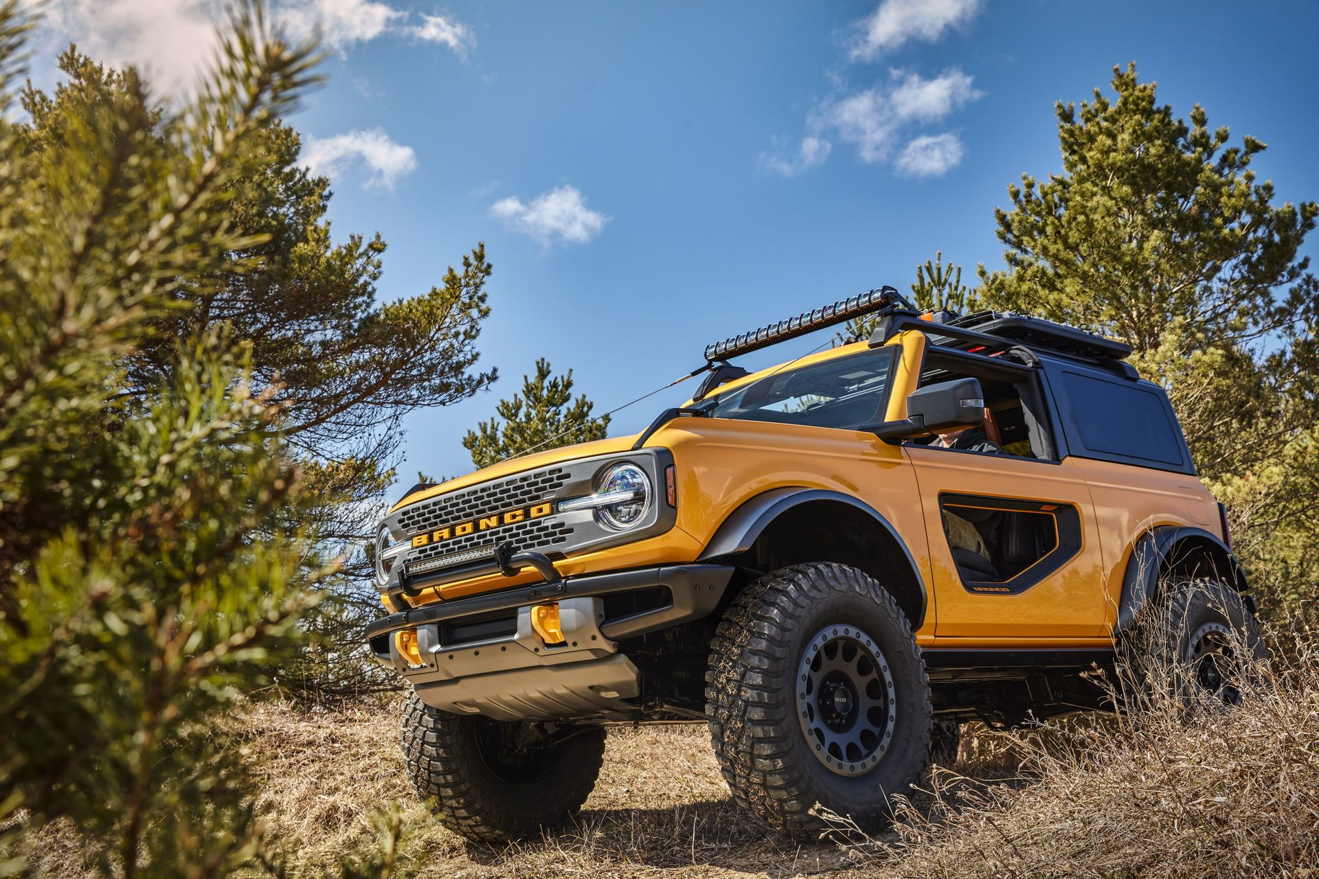 Ford-Bronco-2021-10