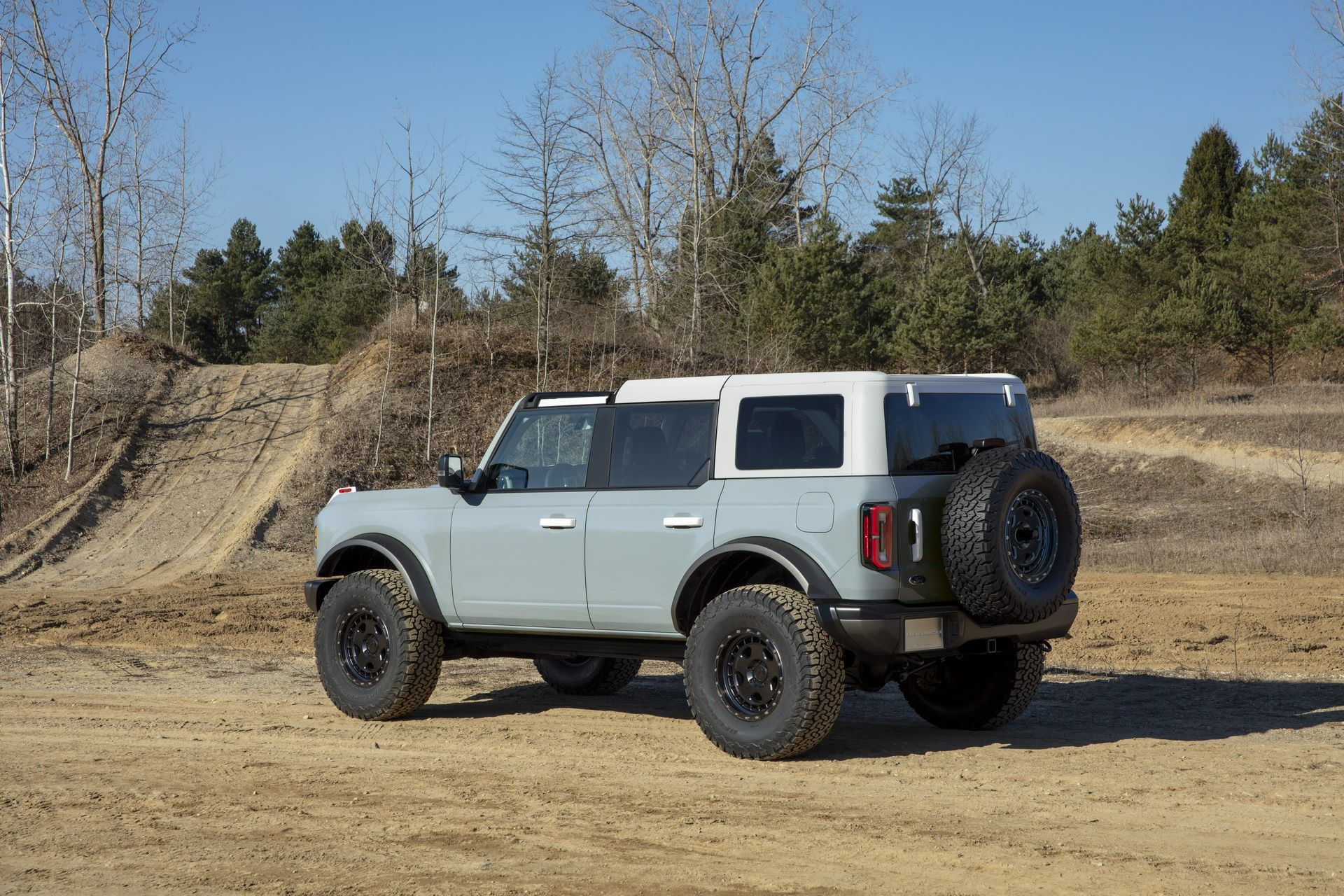 Ford-Bronco-2021-21