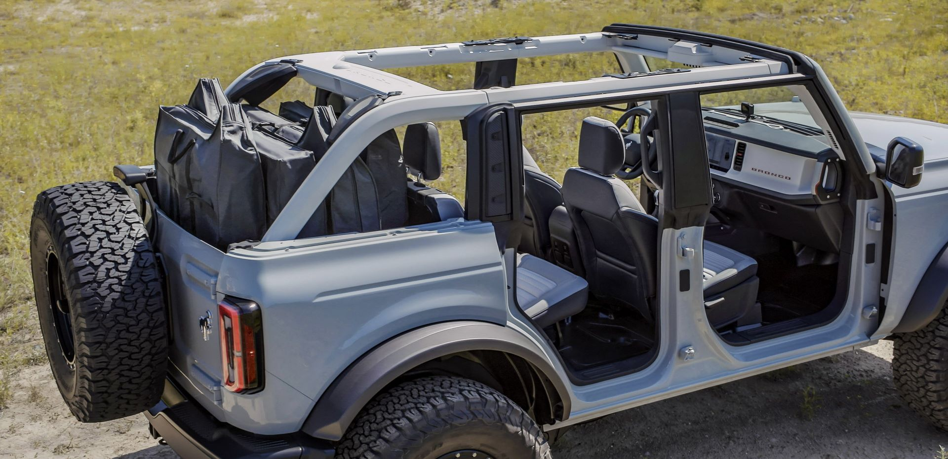 Ford-Bronco-2021-27