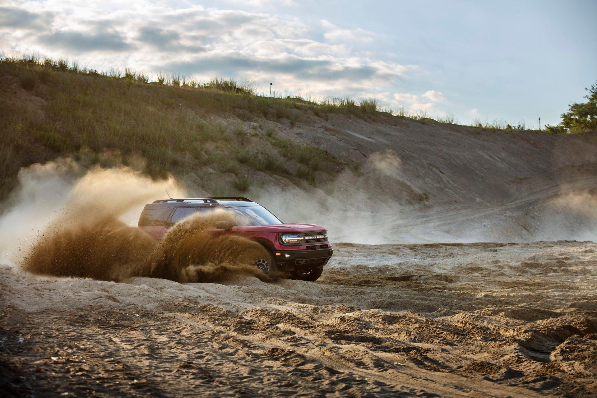 Ford-Bronco-Sport-2021-24
