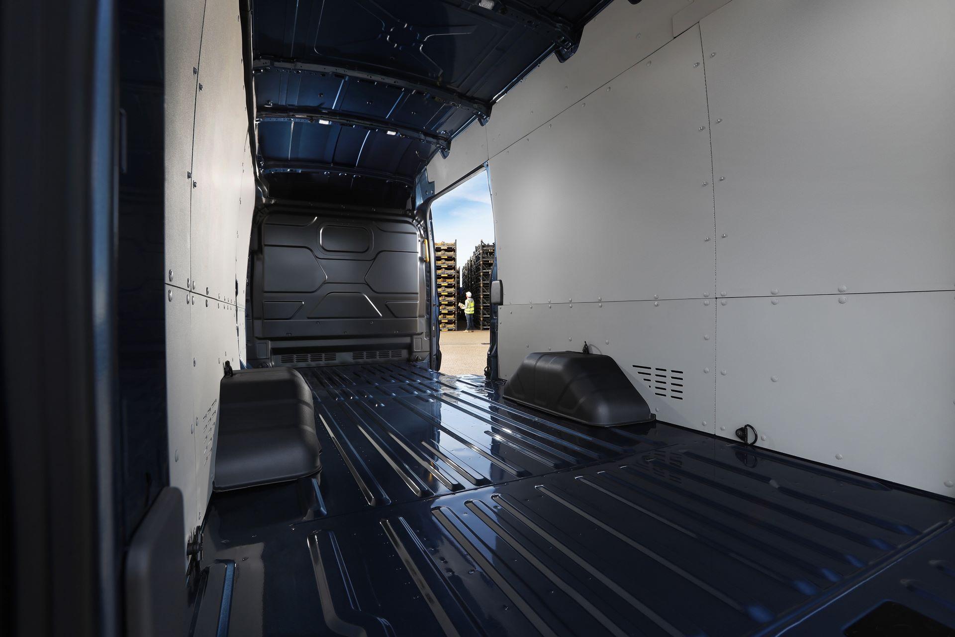 Ford-E-Transit-8