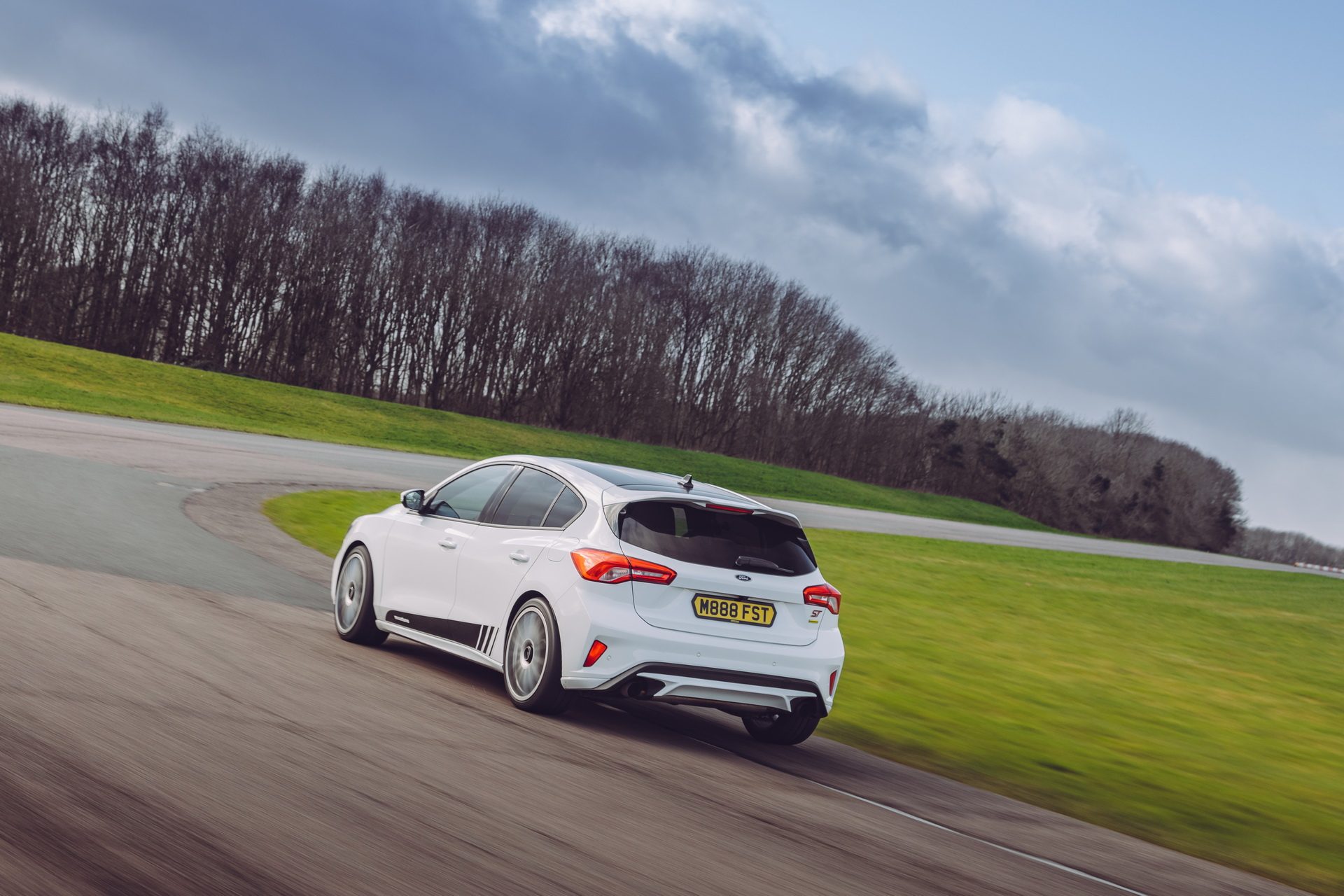 Ford-Focus-ST-Mountune-06