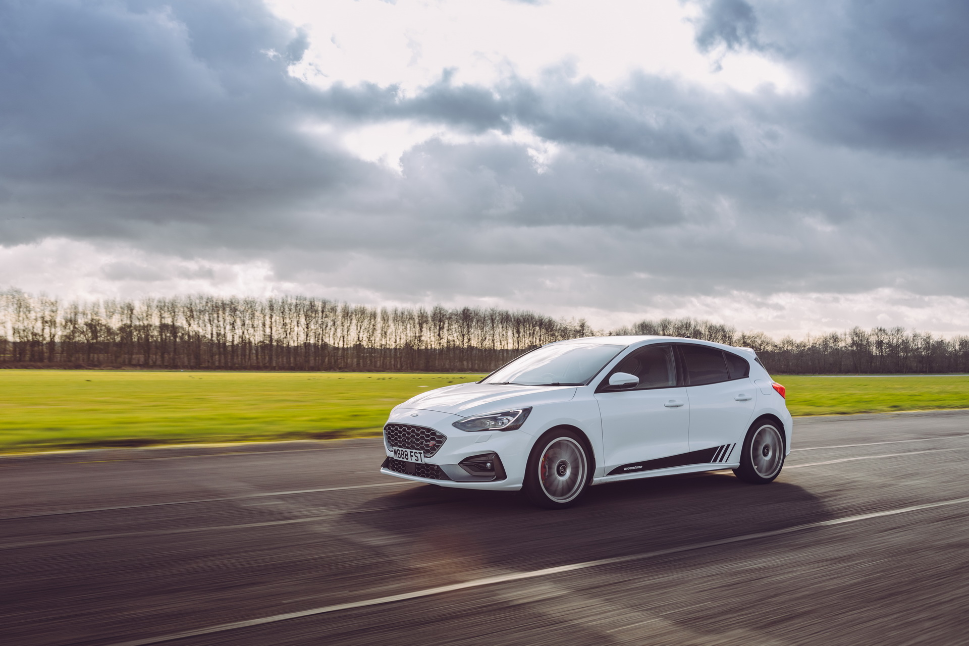 Ford-Focus-ST-Mountune-07