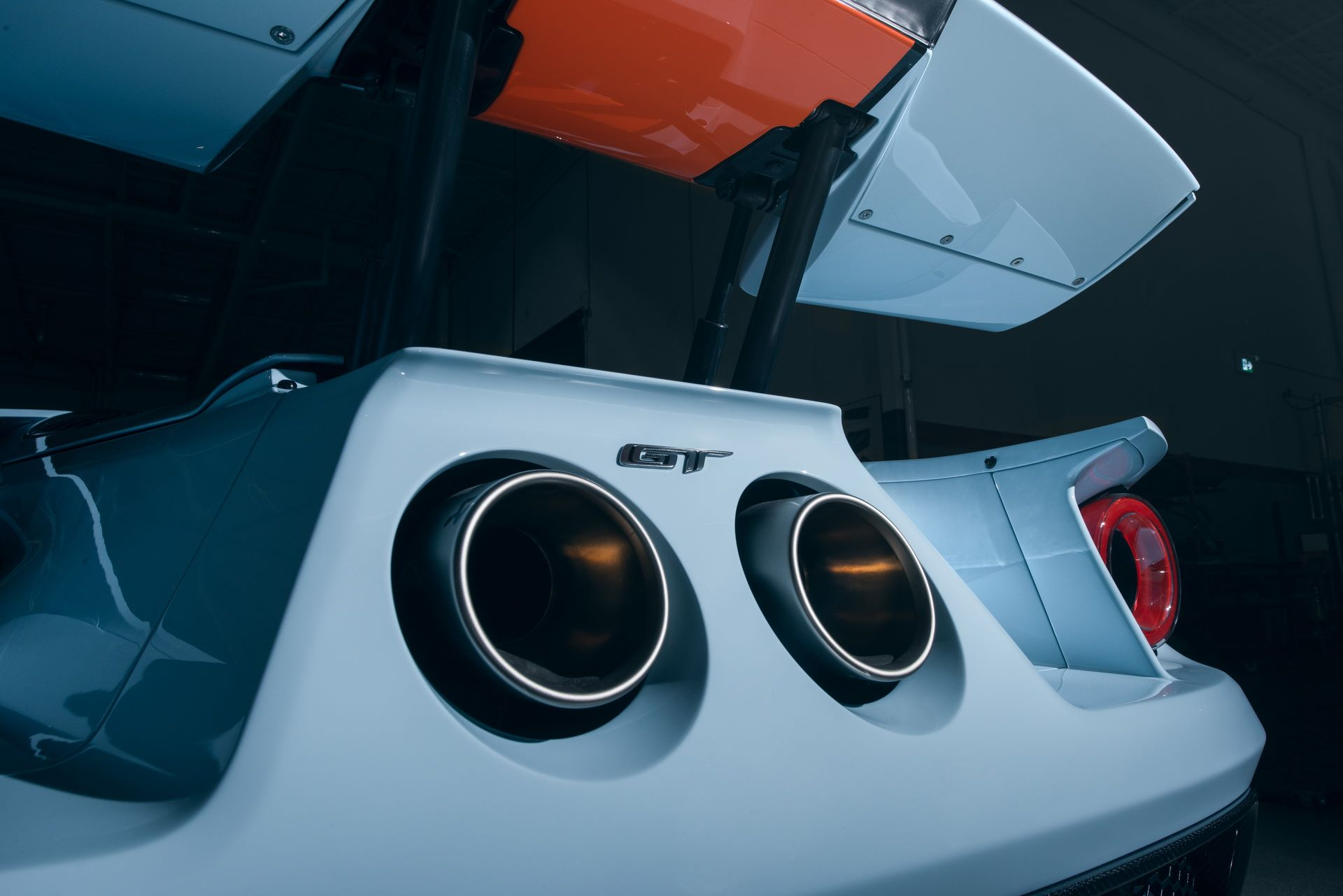 2020-ford-gt-heritage-2