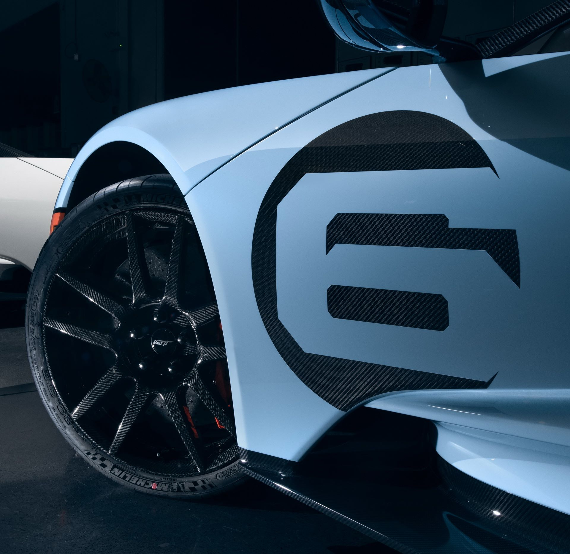 2020-ford-gt-heritage-3
