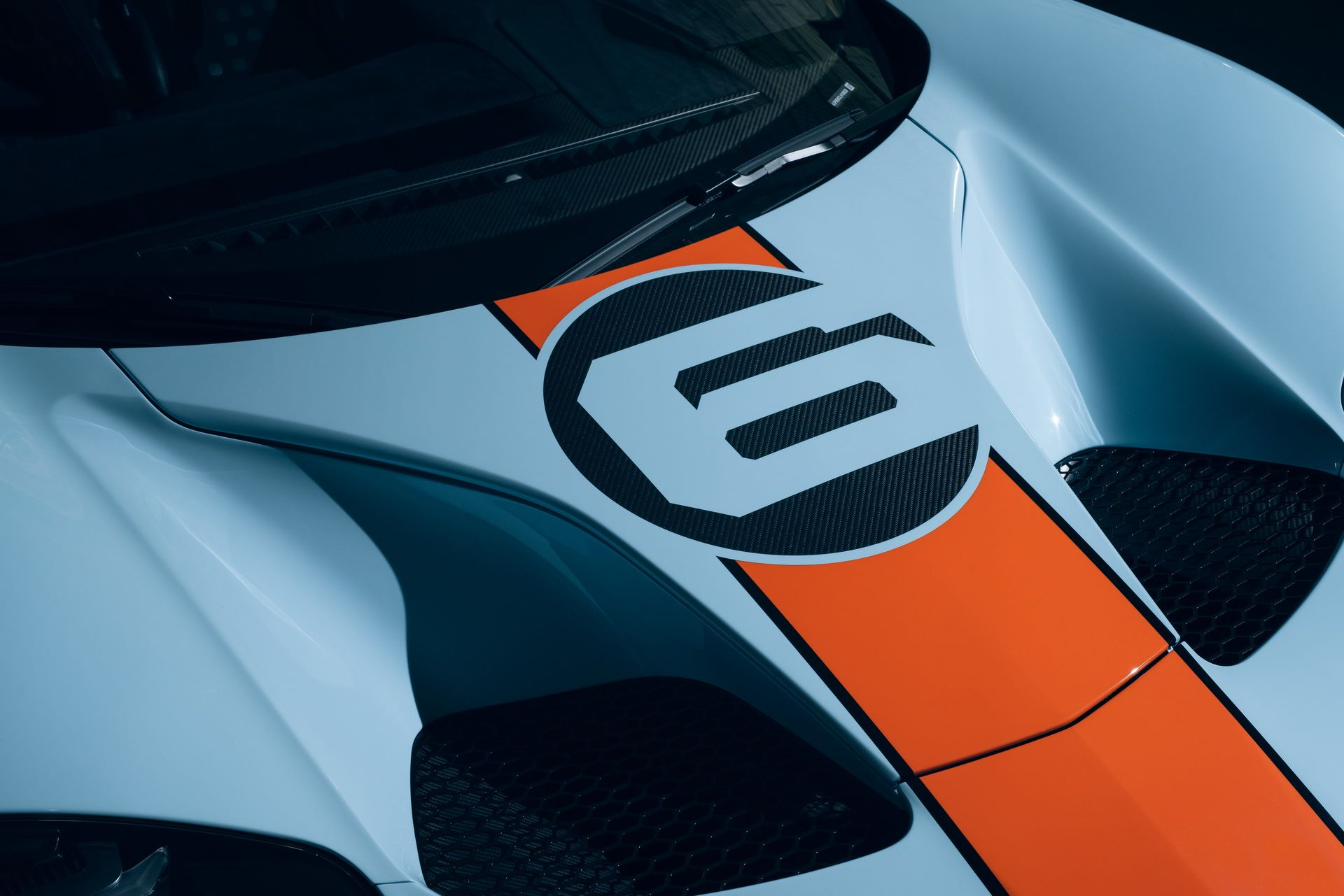 2020-ford-gt-heritage-4