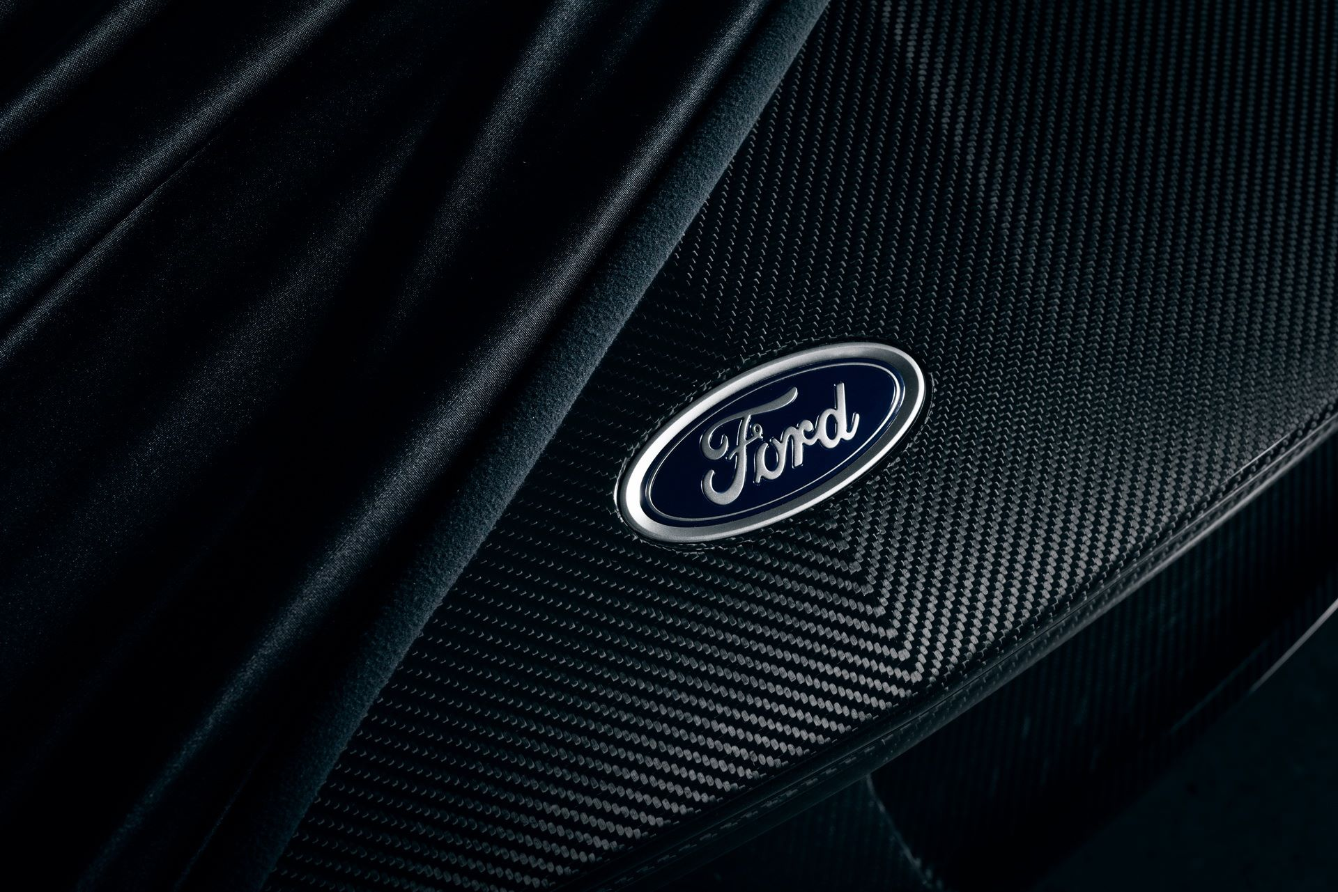 2020-ford-gt-liquid-carbon-edition-5