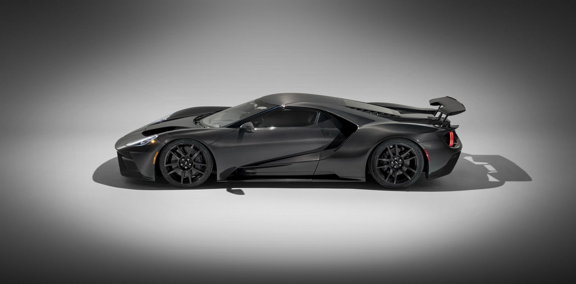 2020-ford-gt-liquid-carbon-edition-8