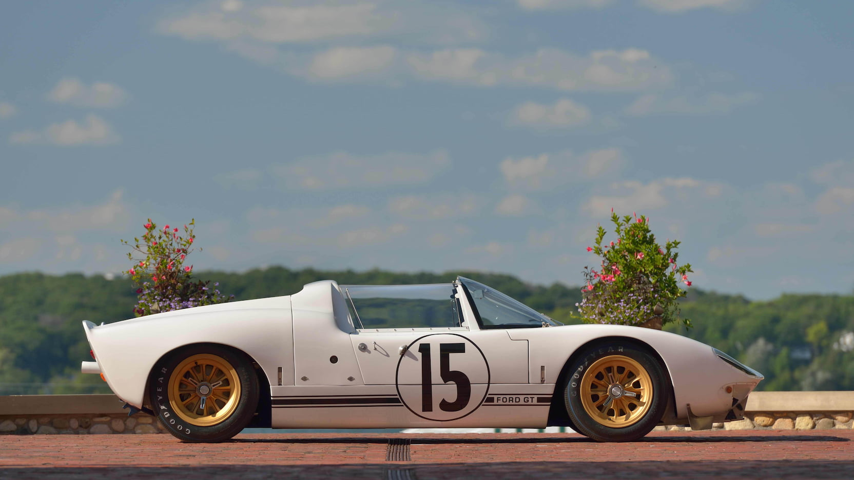 Ford-GT40-Roadster-auction-2