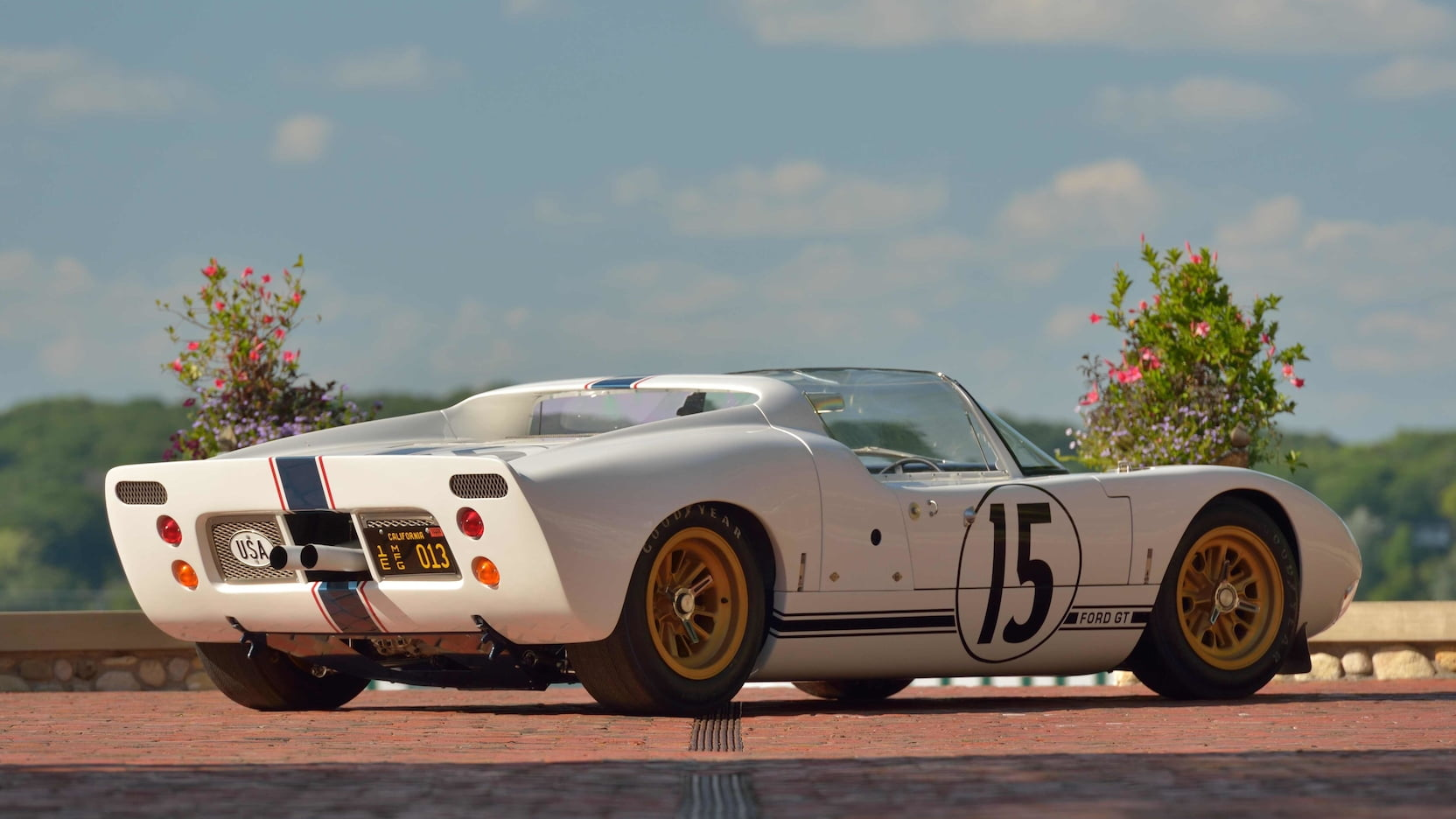 Ford-GT40-Roadster-auction-3