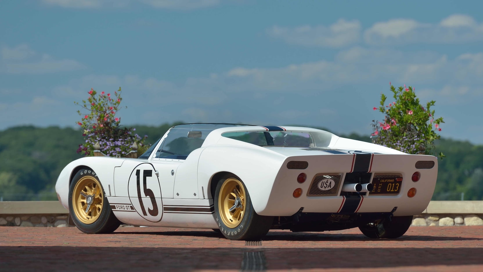 Ford-GT40-Roadster-auction-6