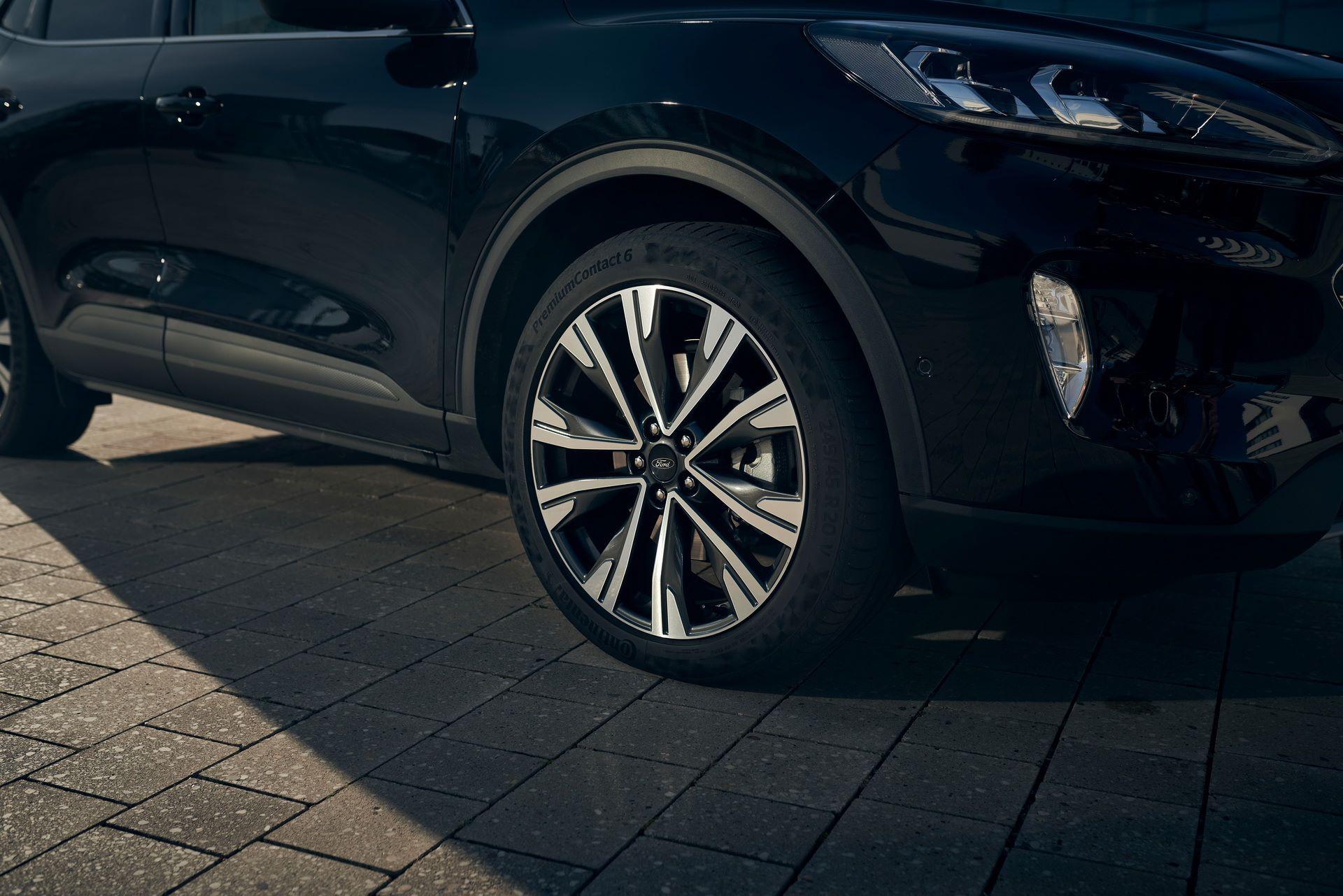 Ford-Kuga-Hybrid-2020-6