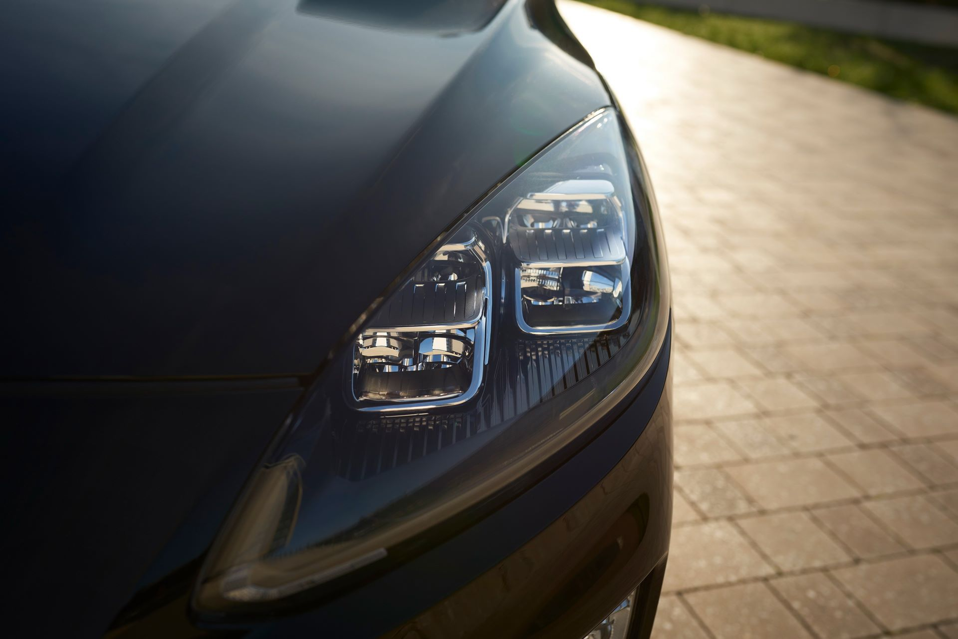 Ford-Kuga-Hybrid-2020-7