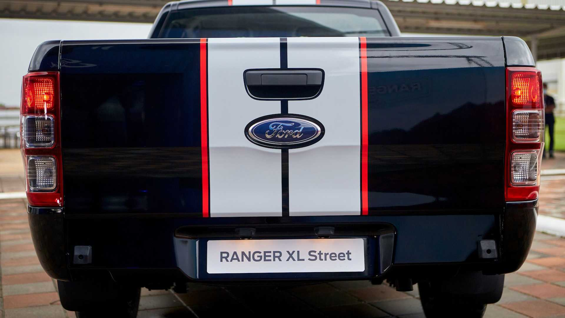 ford-ranger-t6-facelift-thailand-16