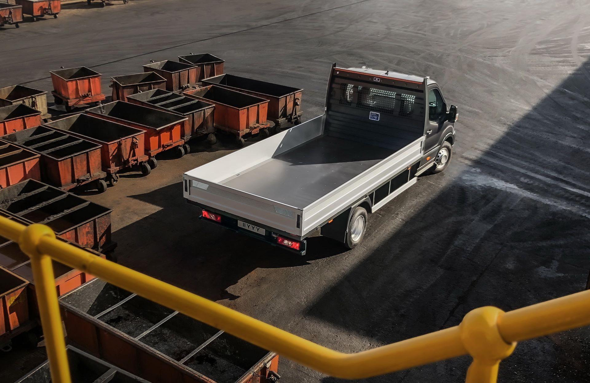 Ford-Transit-5-9