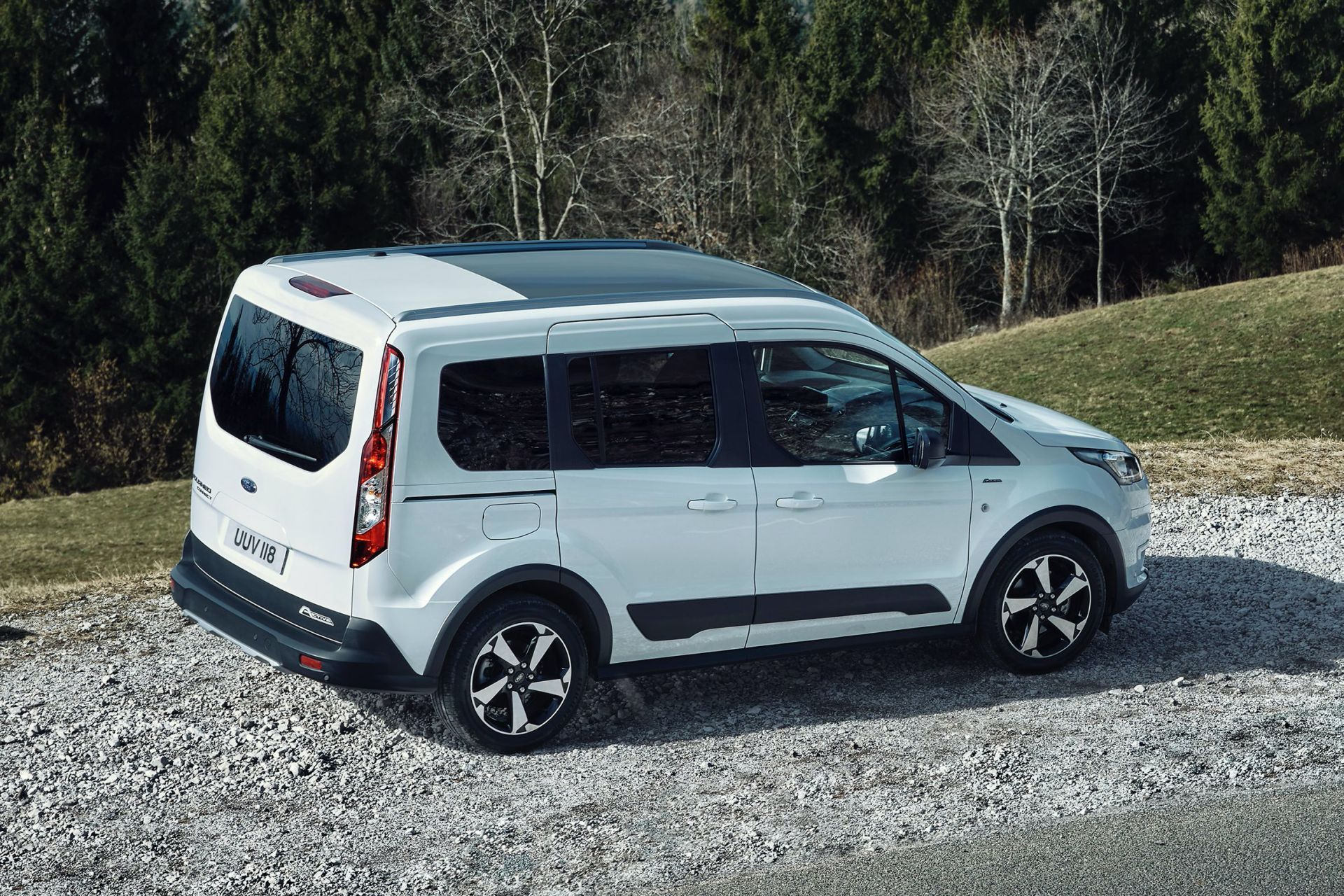 2021-Ford-Tourneo-Connect-Active-Euro-spec