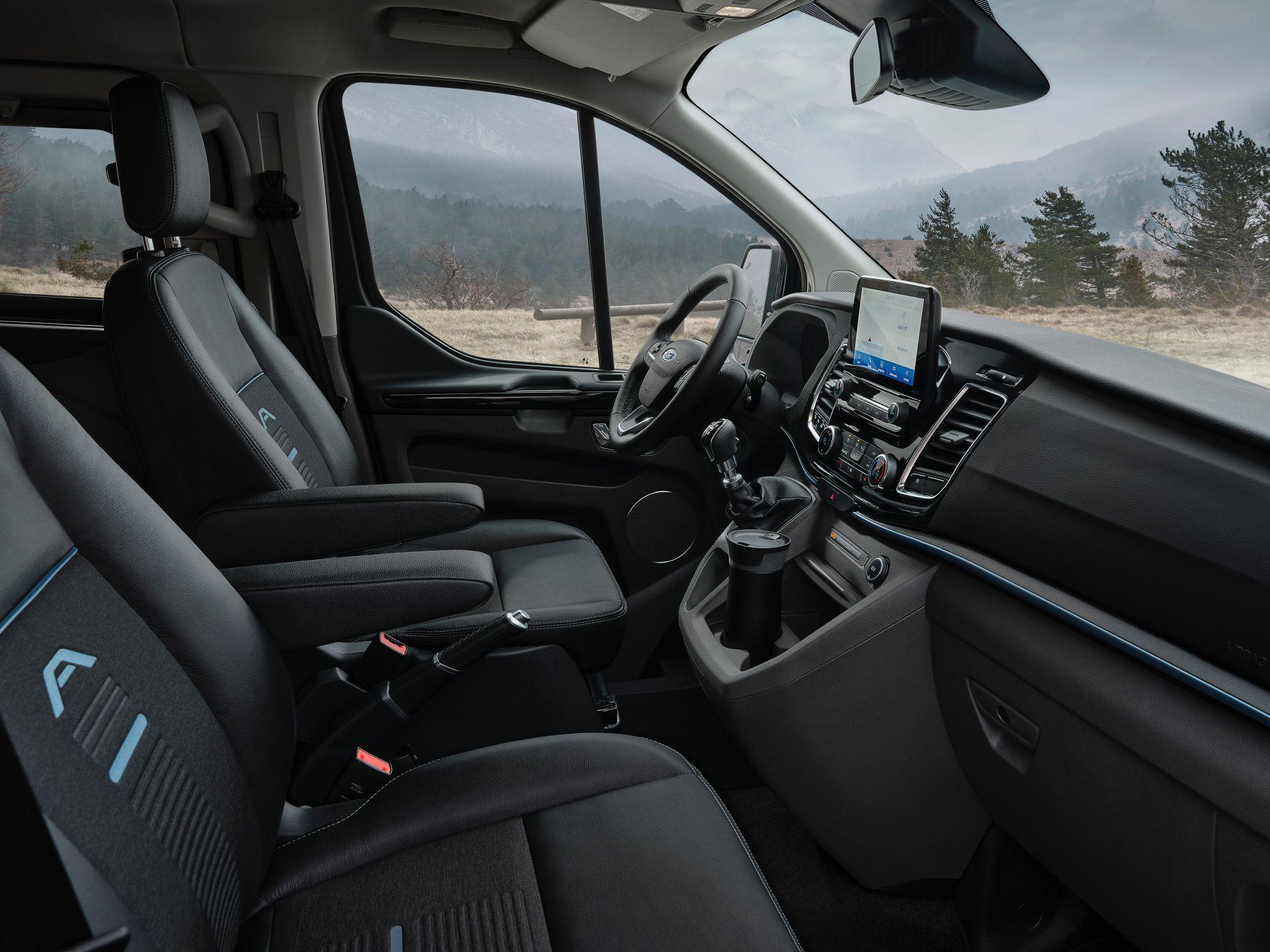 2021-Ford-Tourneo-Custom-Active-Euro-spec-4