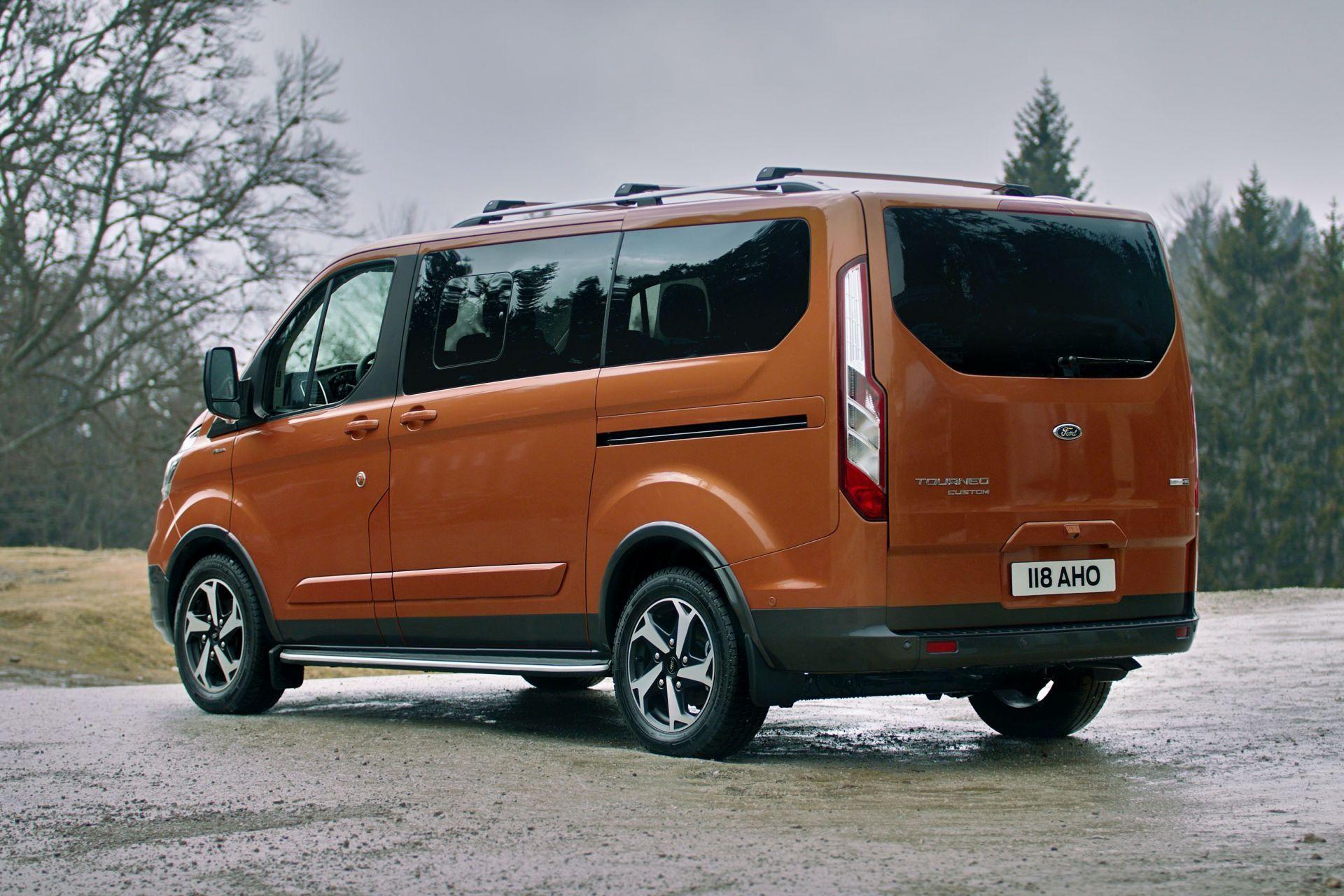 2021-Ford-Tourneo-Custom-Active-Euro-spec-9