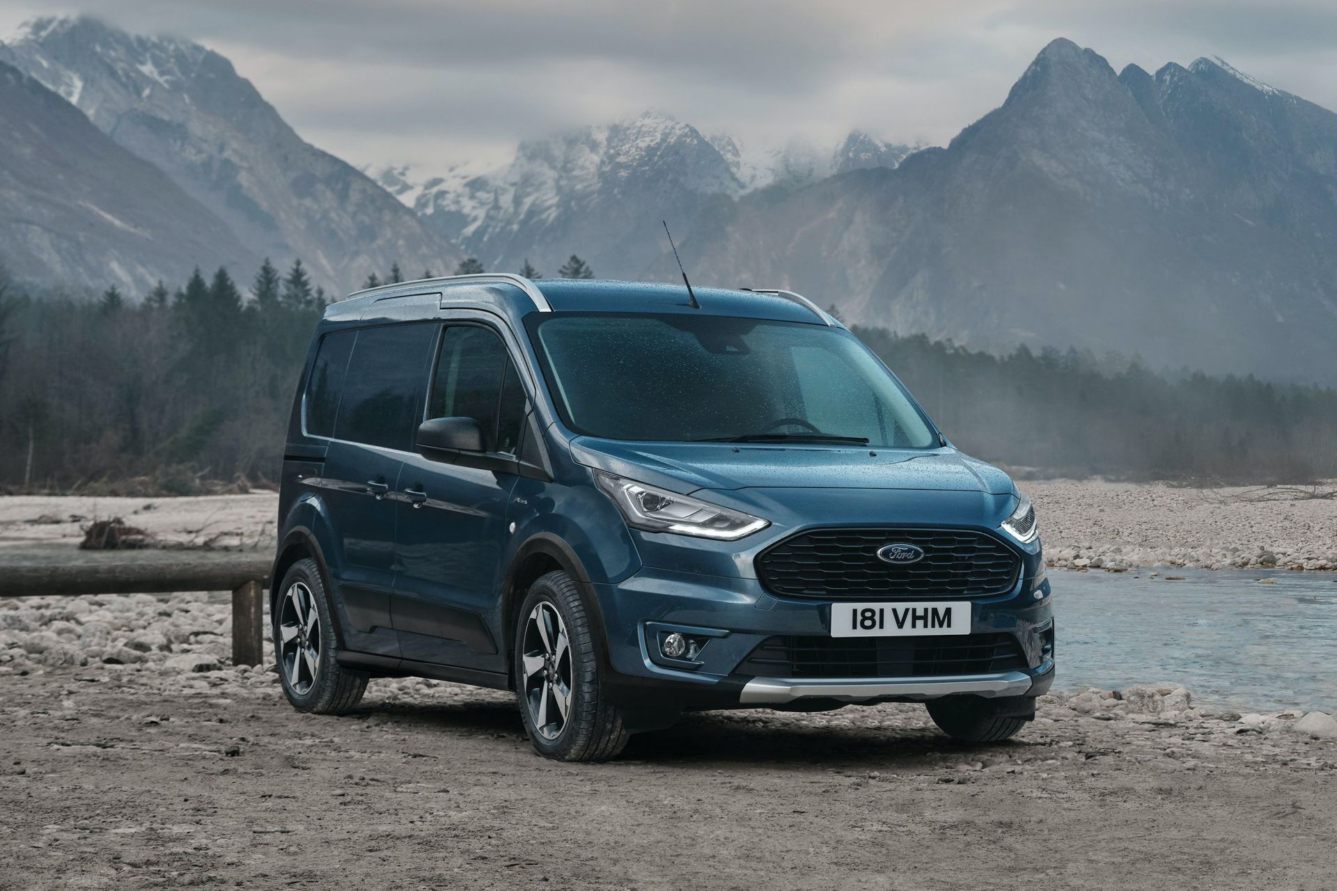 2021-Ford-Transit-Connect-Active-Euro-spec