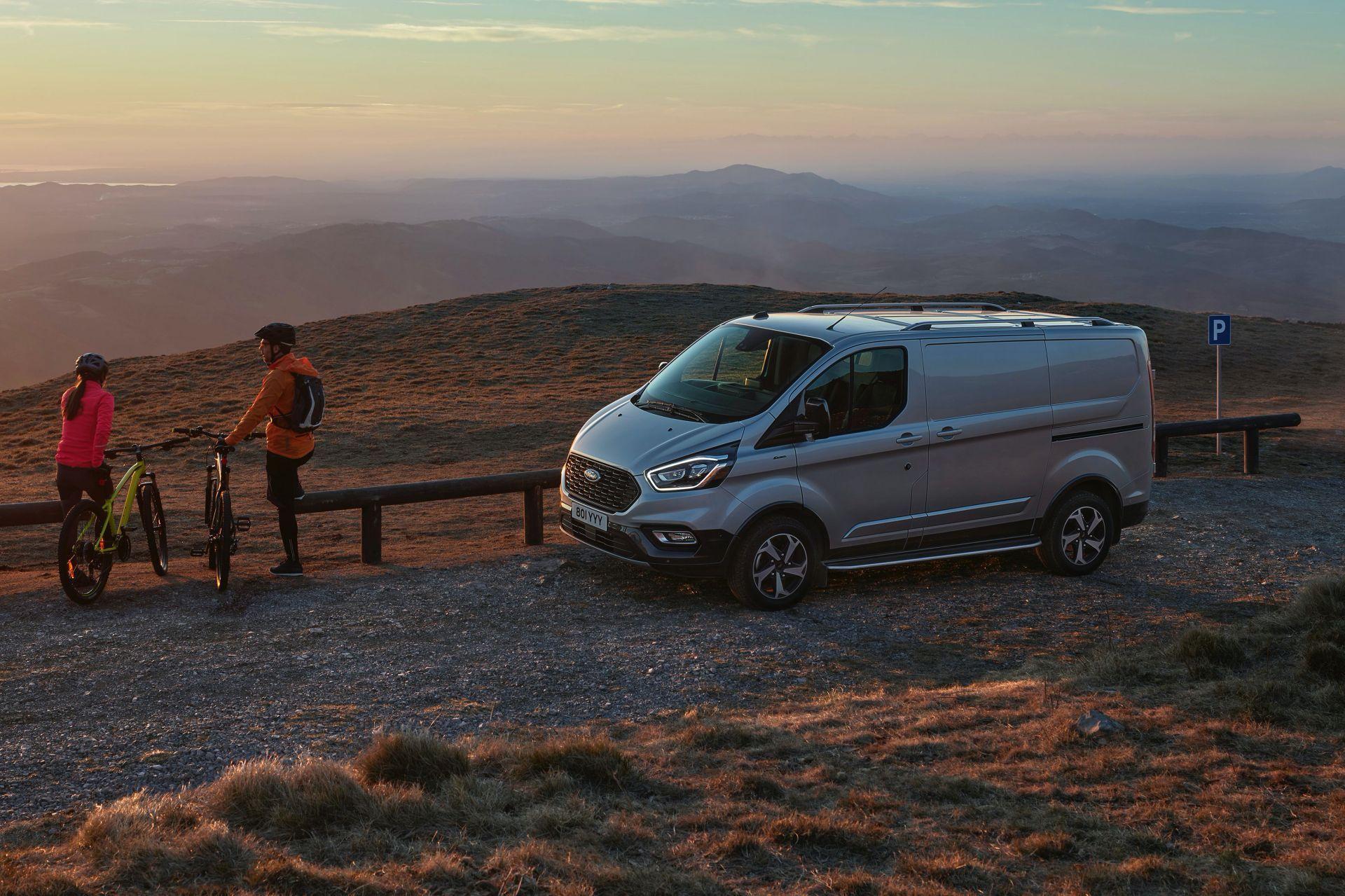 2021-Ford-Transit-Custom-Active-Euro-spec-2