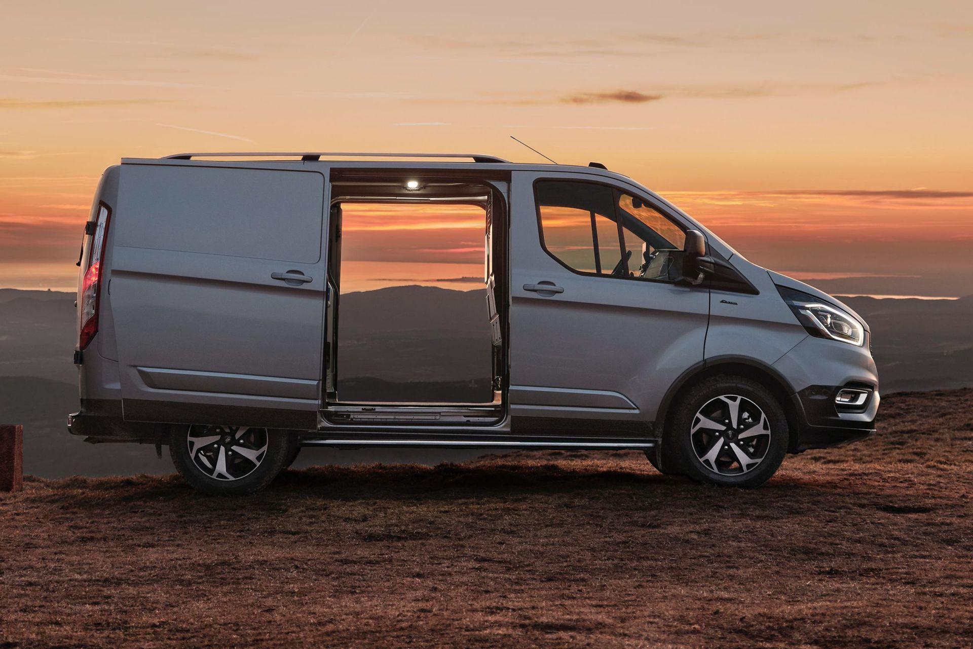 2021-Ford-Transit-Custom-Active-Euro-spec-3