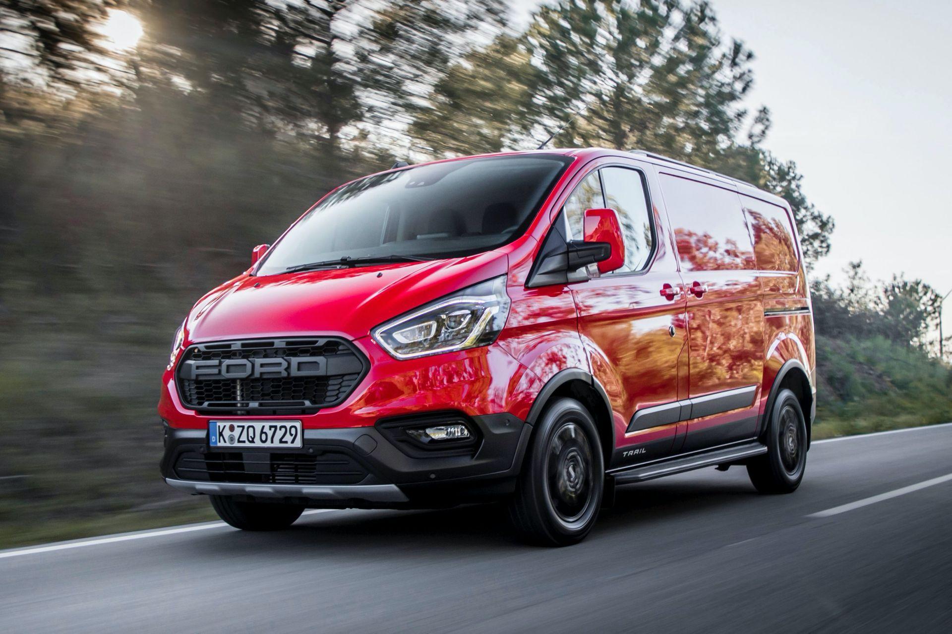2021-Ford-Transit-Custom-Trail-Euro-spec-1