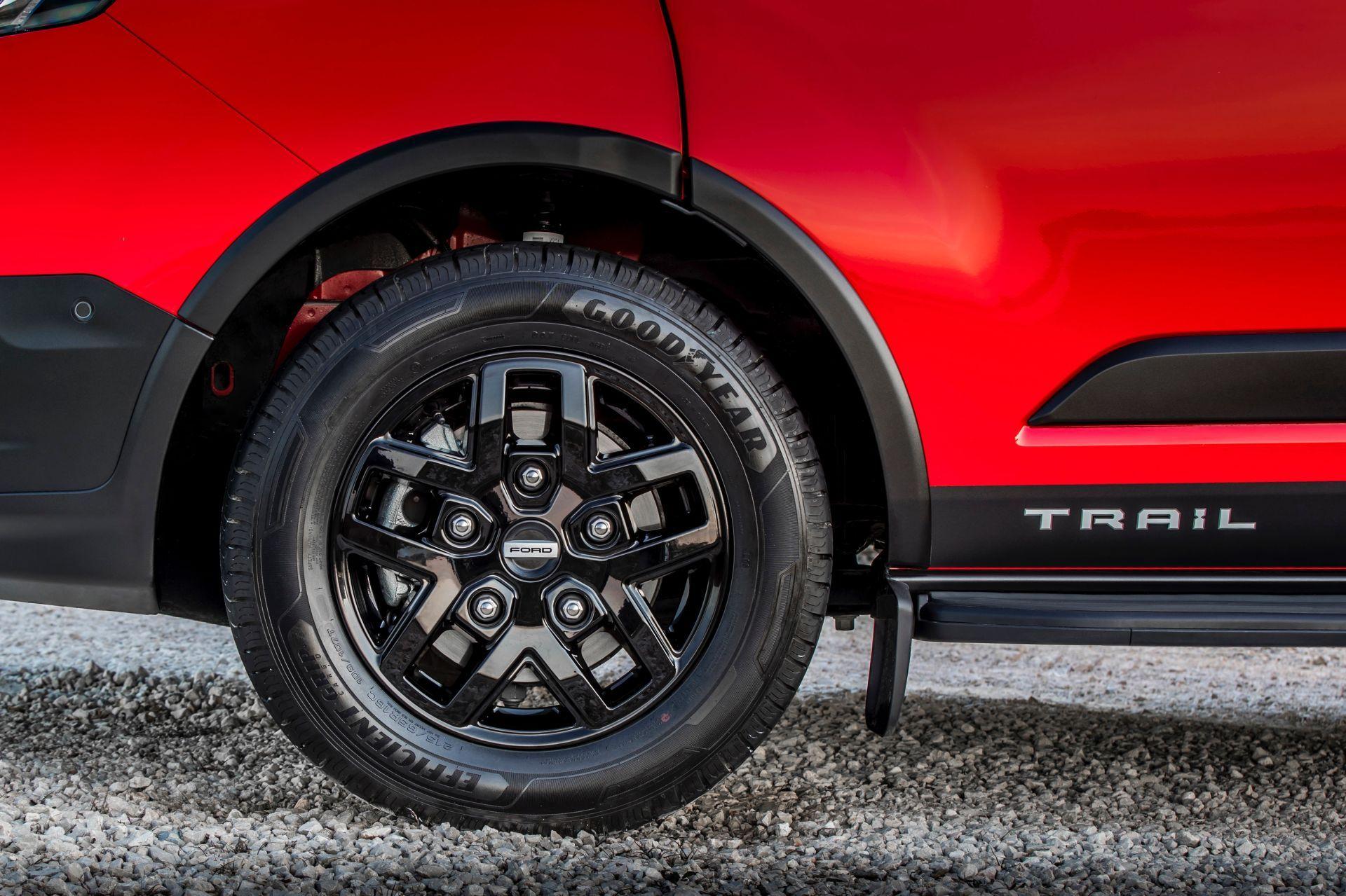 2021-Ford-Transit-Custom-Trail-Euro-spec-10