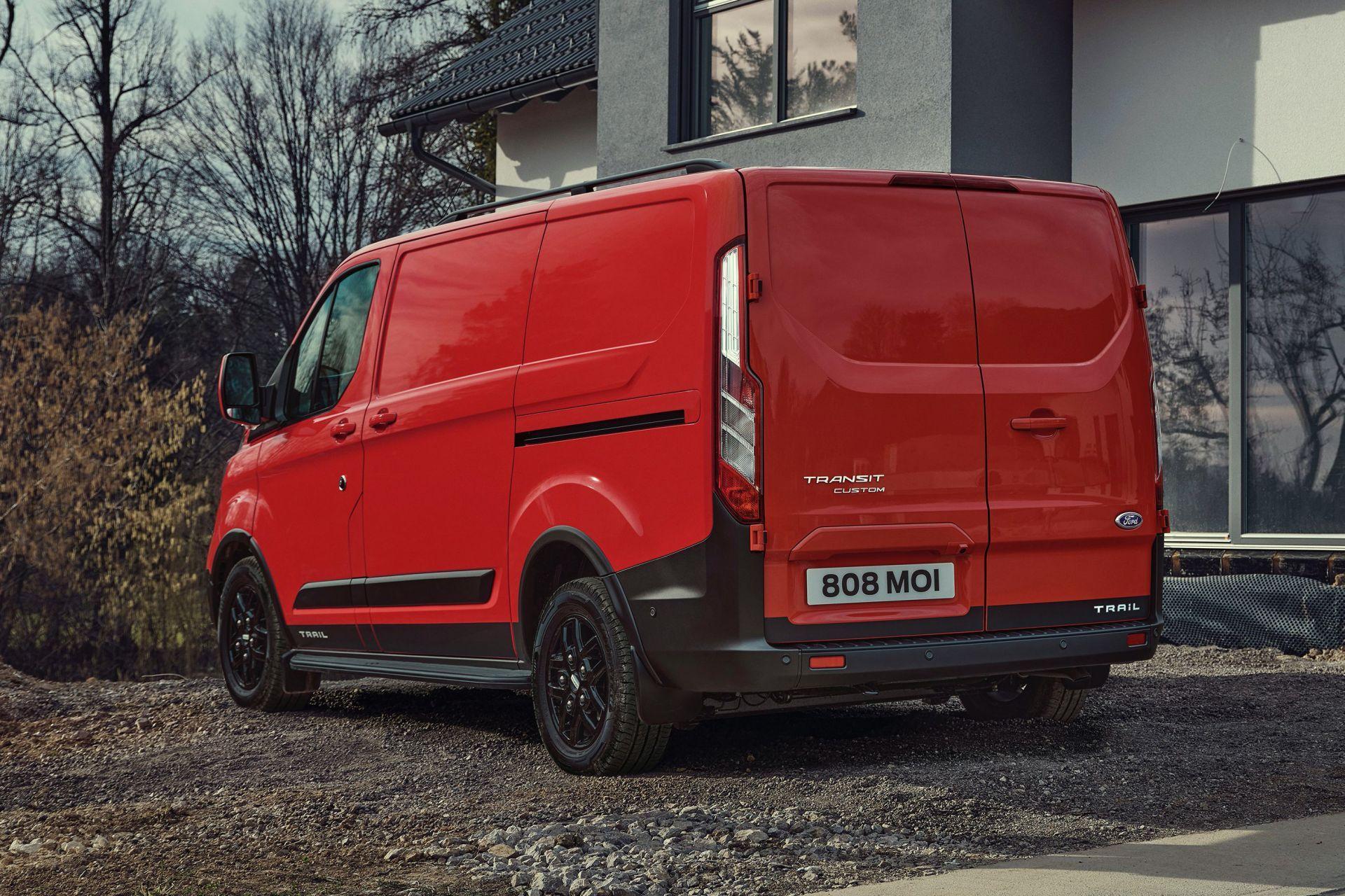 2021-Ford-Transit-Custom-Trail-Euro-spec-12
