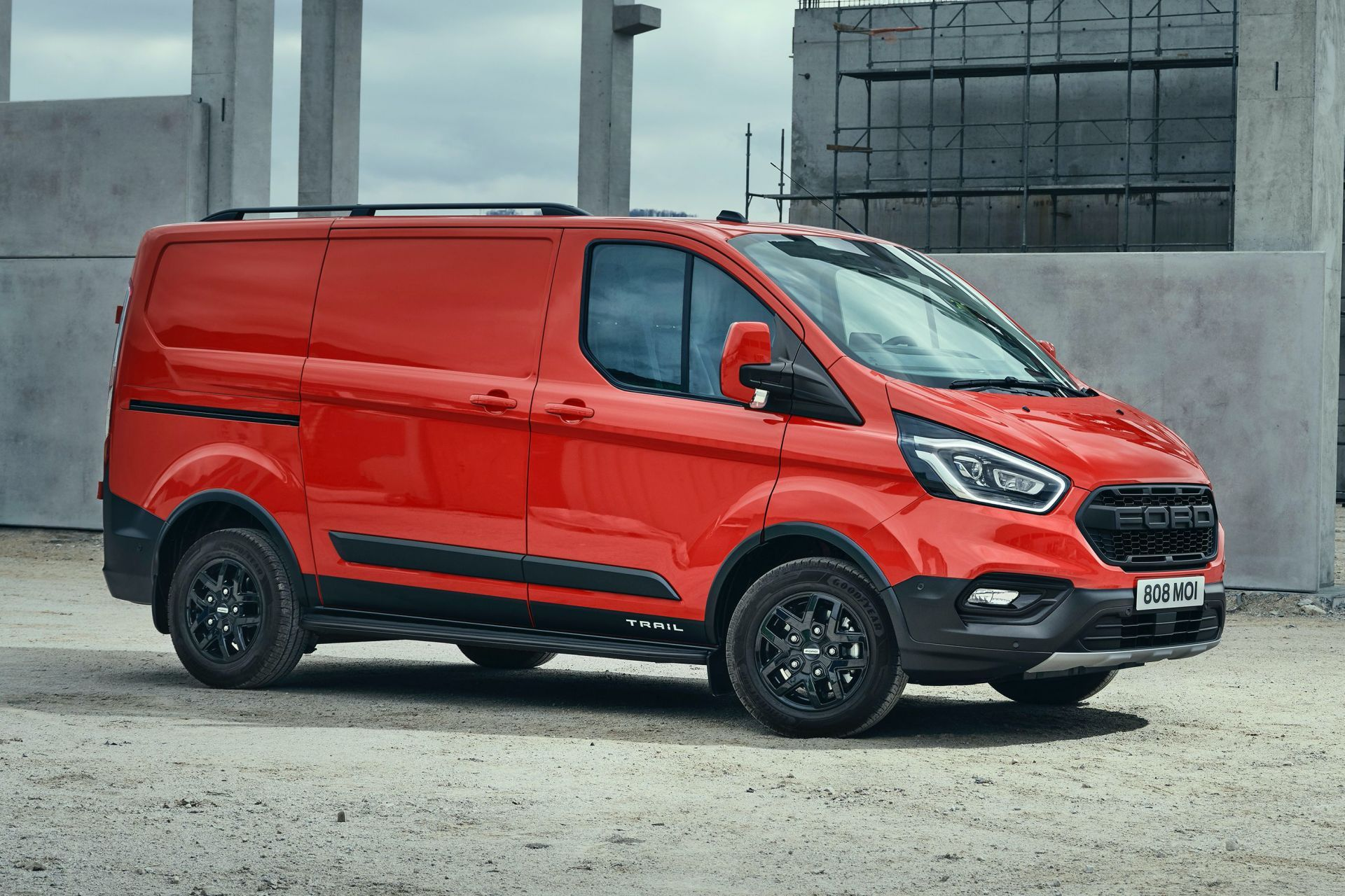 2021-Ford-Transit-Custom-Trail-Euro-spec-13