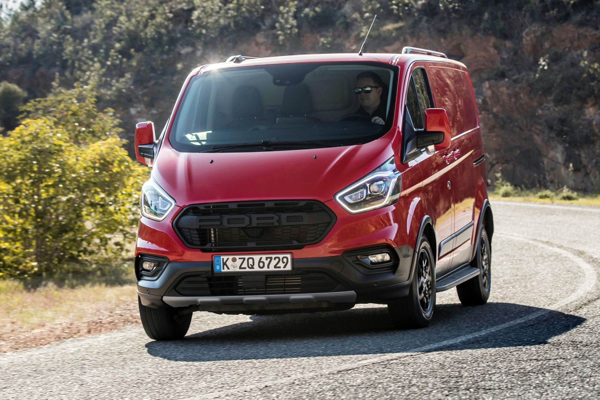 2021-Ford-Transit-Custom-Trail-Euro-spec-7