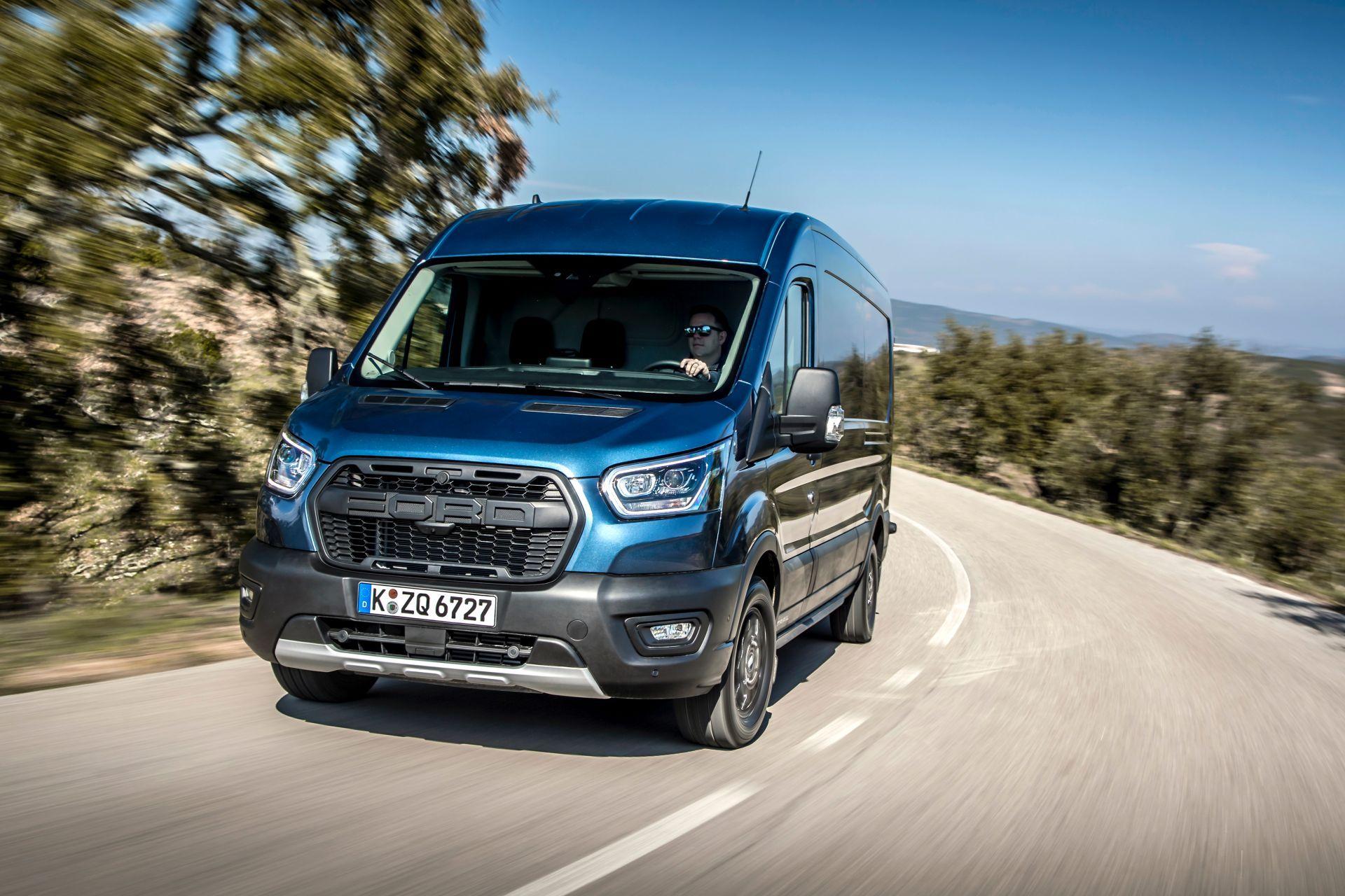 2021-Ford-Transit-Trail-Euro-spec-10