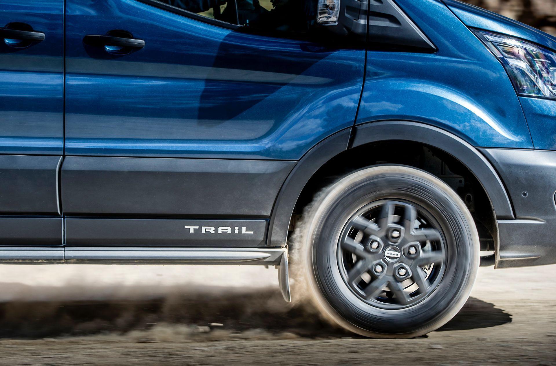 2021-Ford-Transit-Trail-Euro-spec-11
