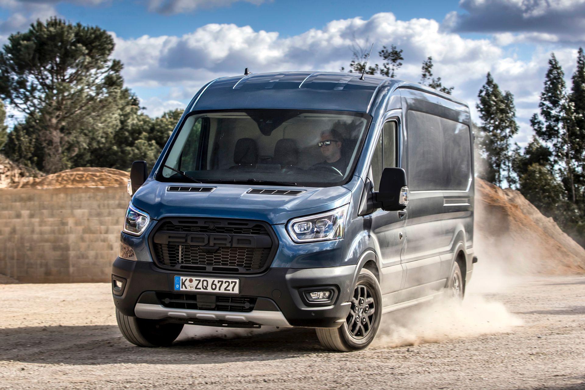 2021-Ford-Transit-Trail-Euro-spec-13