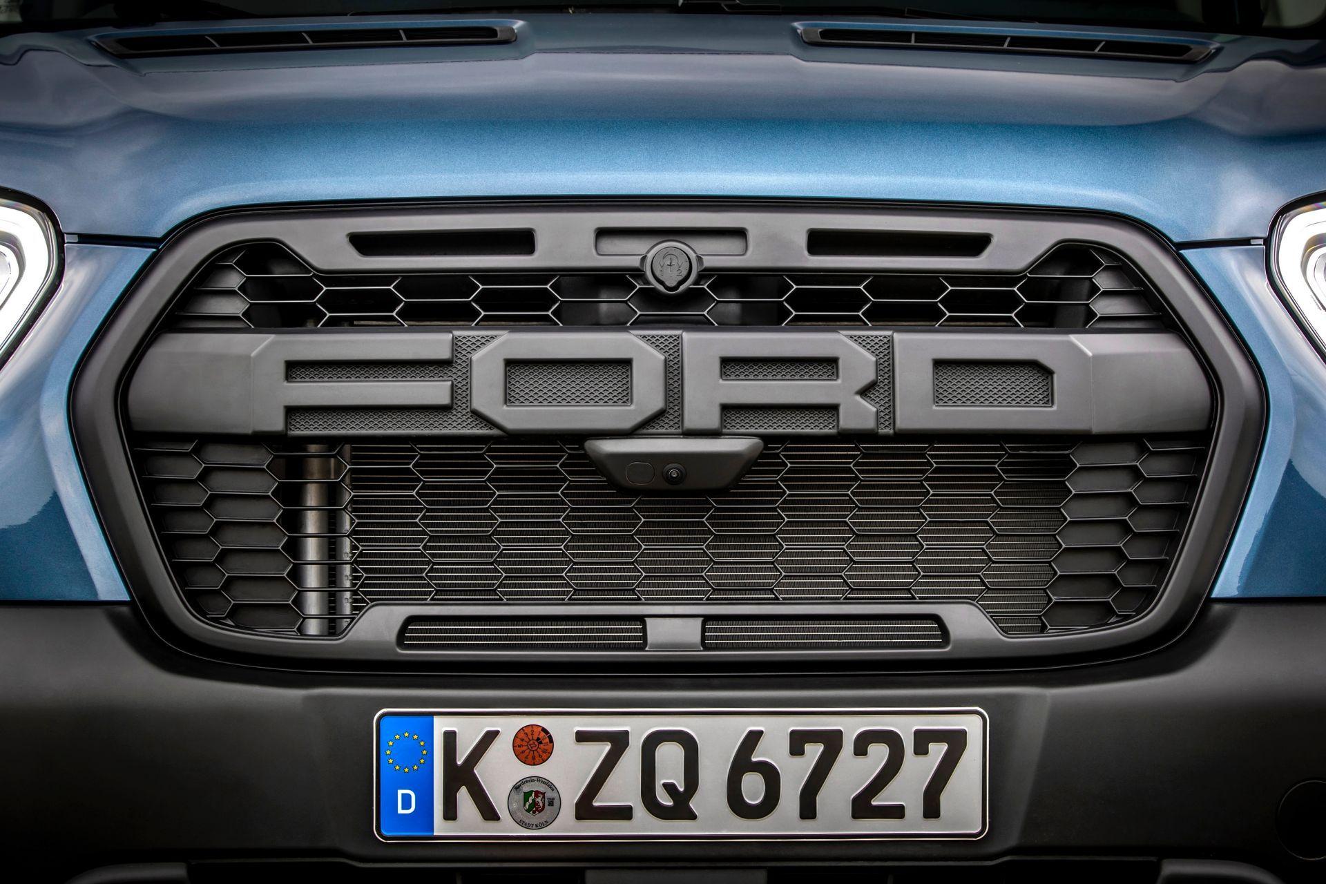 2021-Ford-Transit-Trail-Euro-spec-15