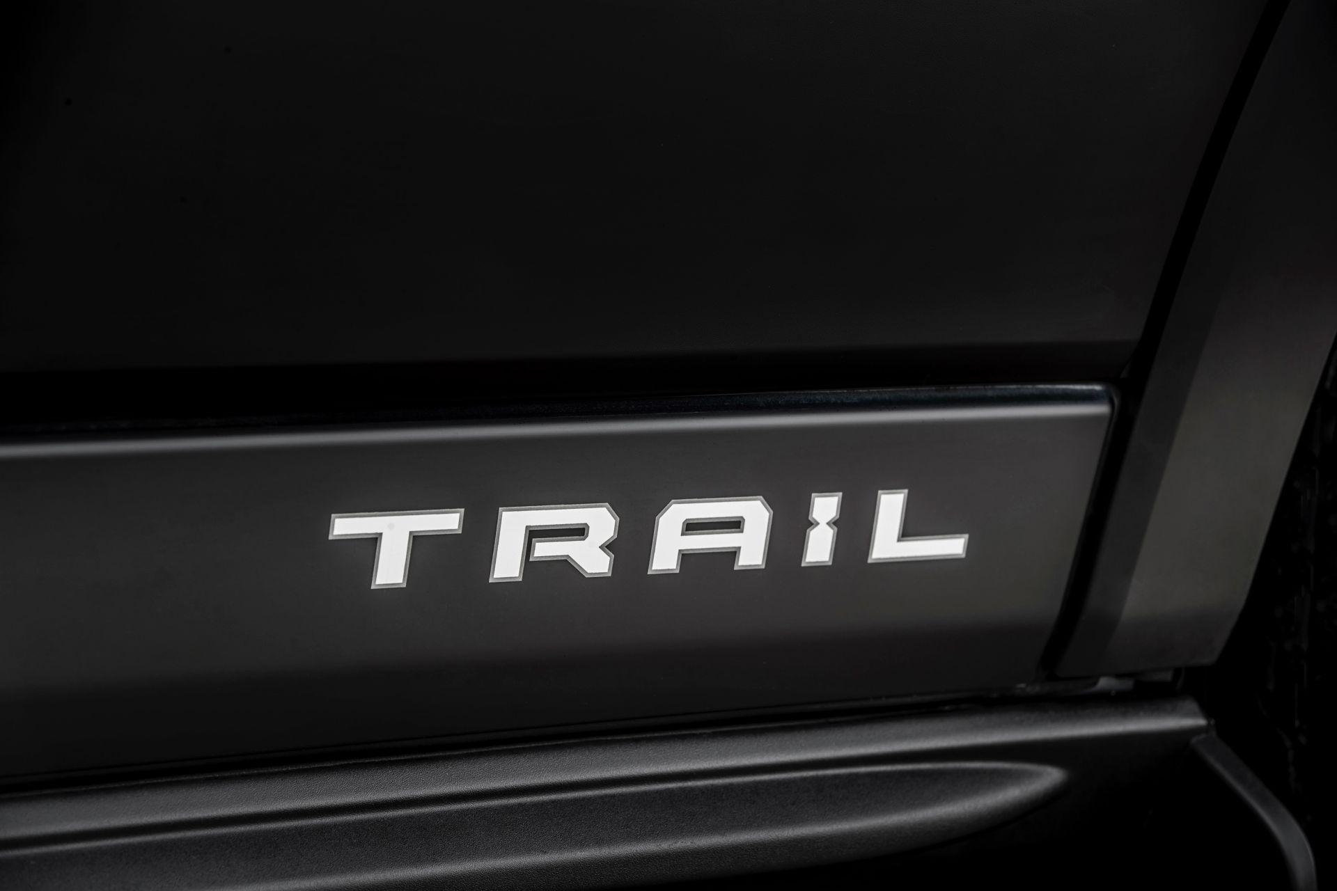 2021-Ford-Transit-Trail-Euro-spec-17