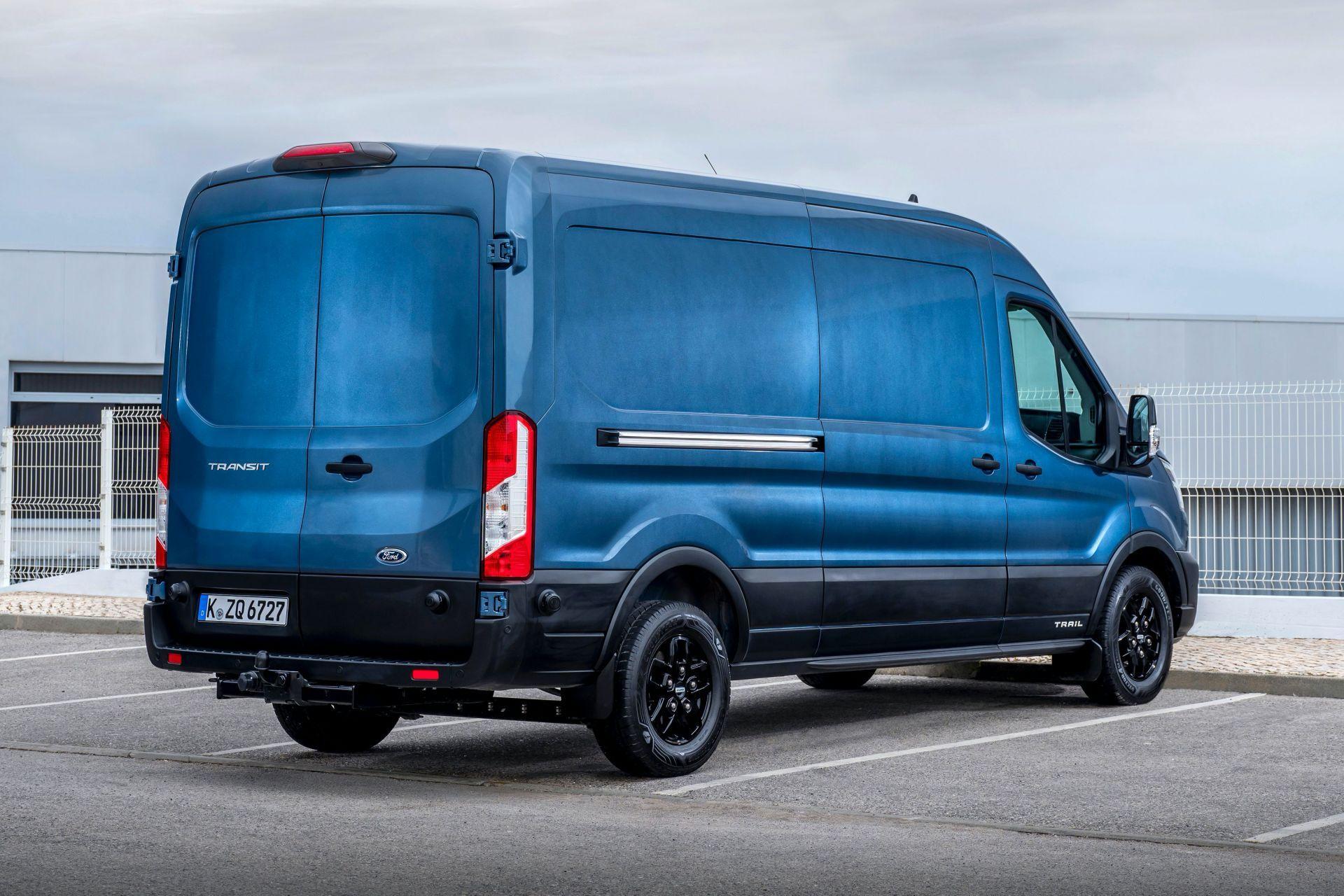 2021-Ford-Transit-Trail-Euro-spec-2