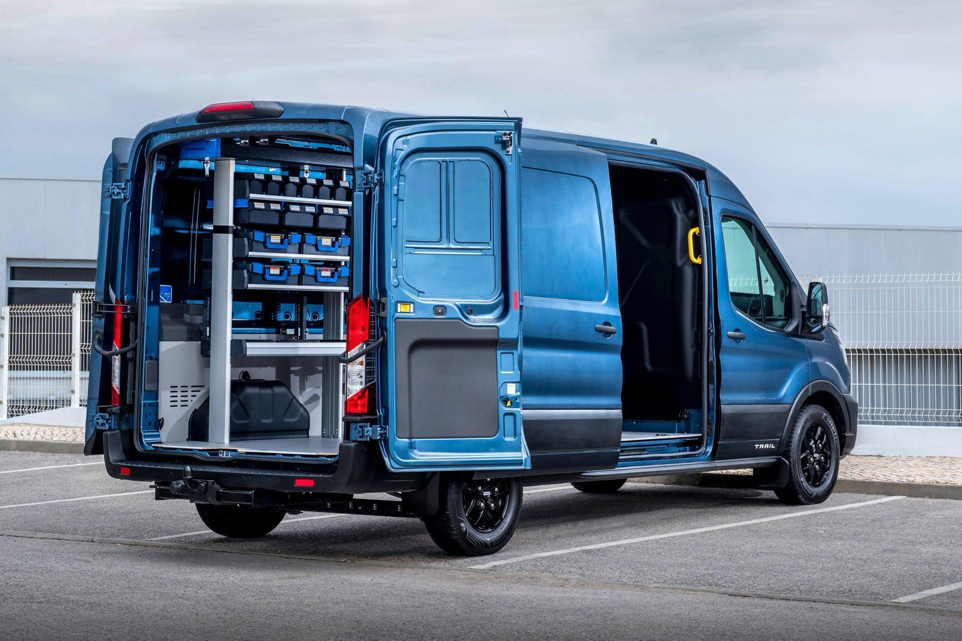 2021-Ford-Transit-Trail-Euro-spec-3