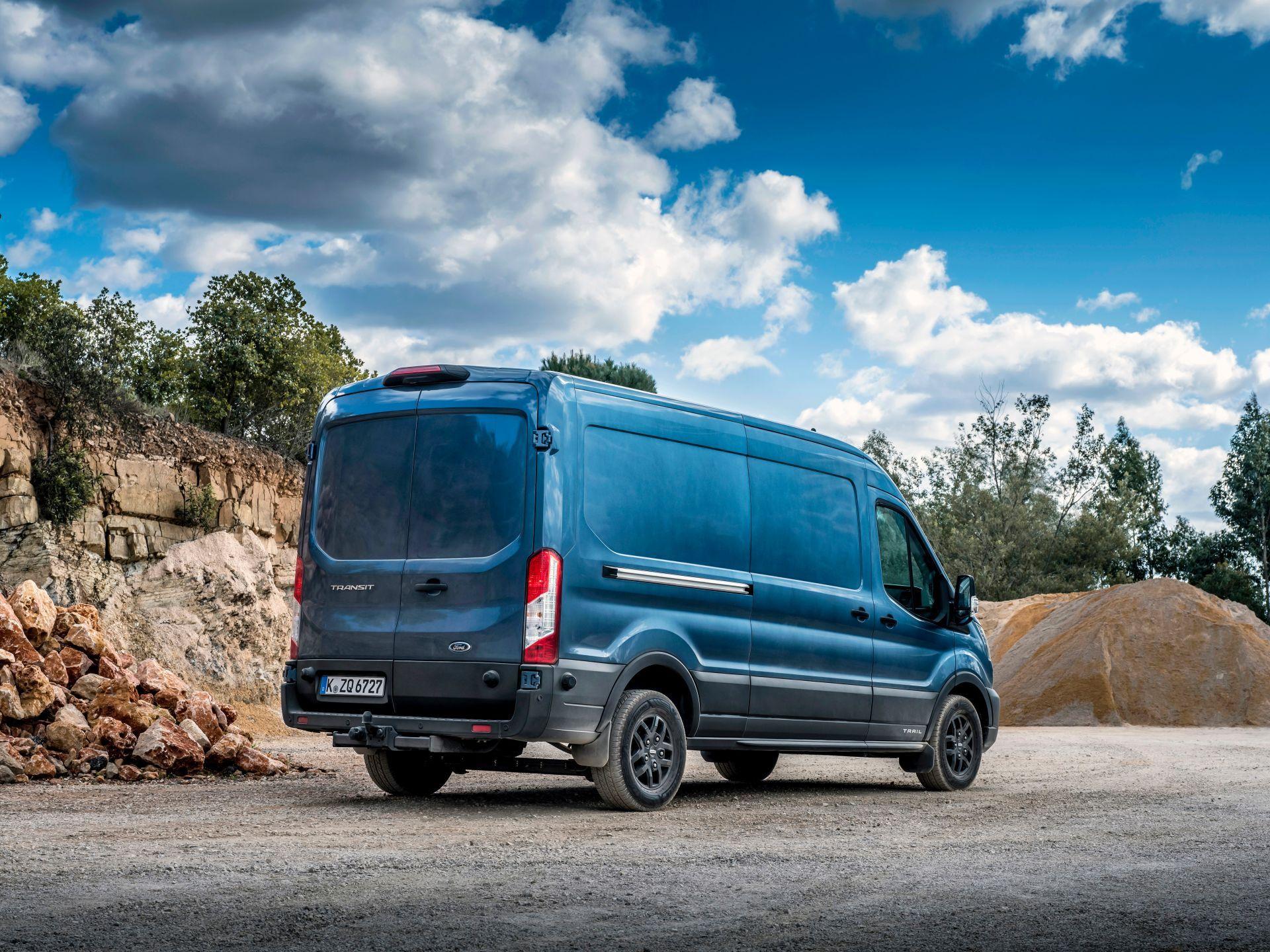 2021-Ford-Transit-Trail-Euro-spec-8