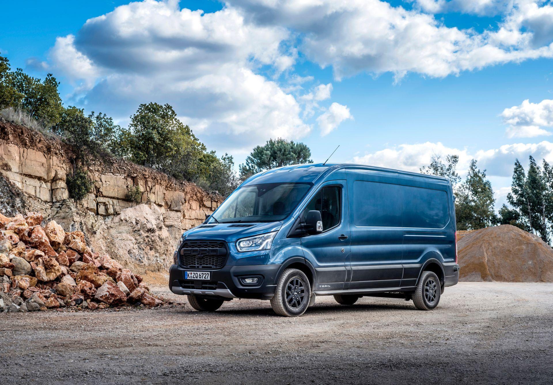 2021-Ford-Transit-Trail-Euro-spec-9