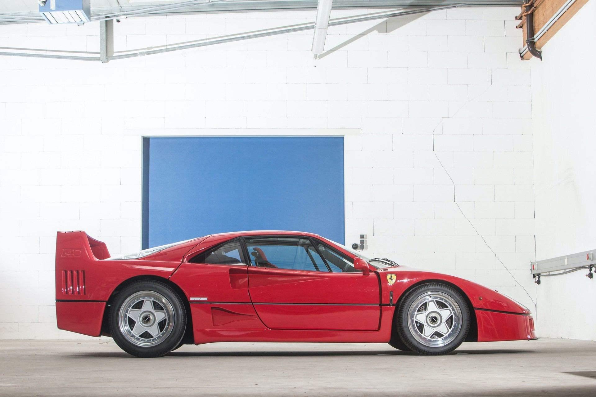 Gerhard_Berger_Ferrari_F40_0005