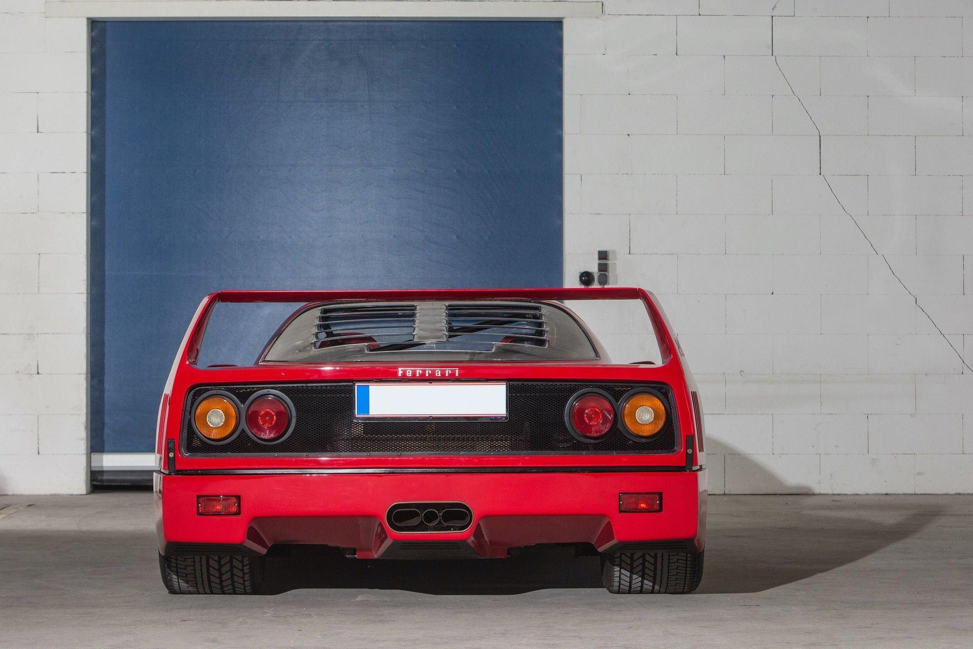 Gerhard_Berger_Ferrari_F40_0007