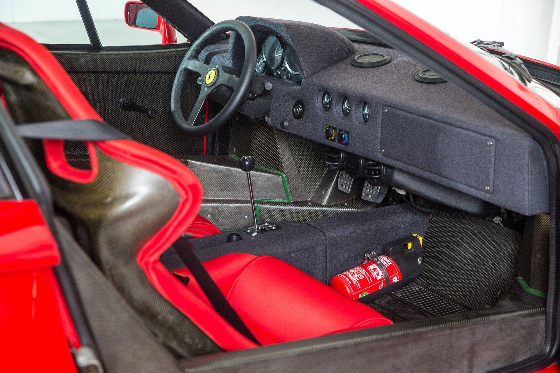 Gerhard_Berger_Ferrari_F40_0008