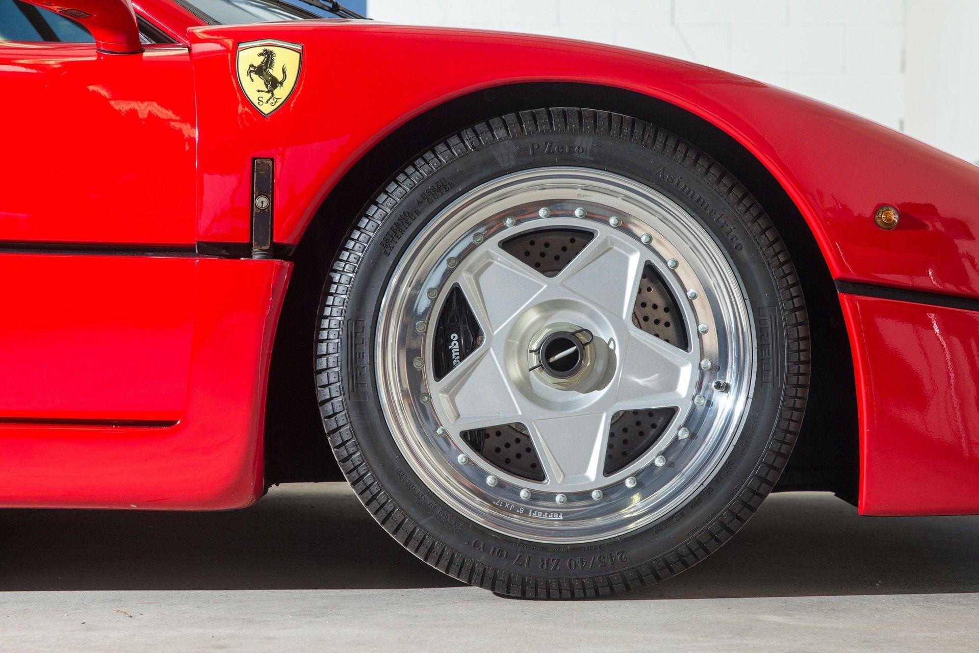Gerhard_Berger_Ferrari_F40_0015