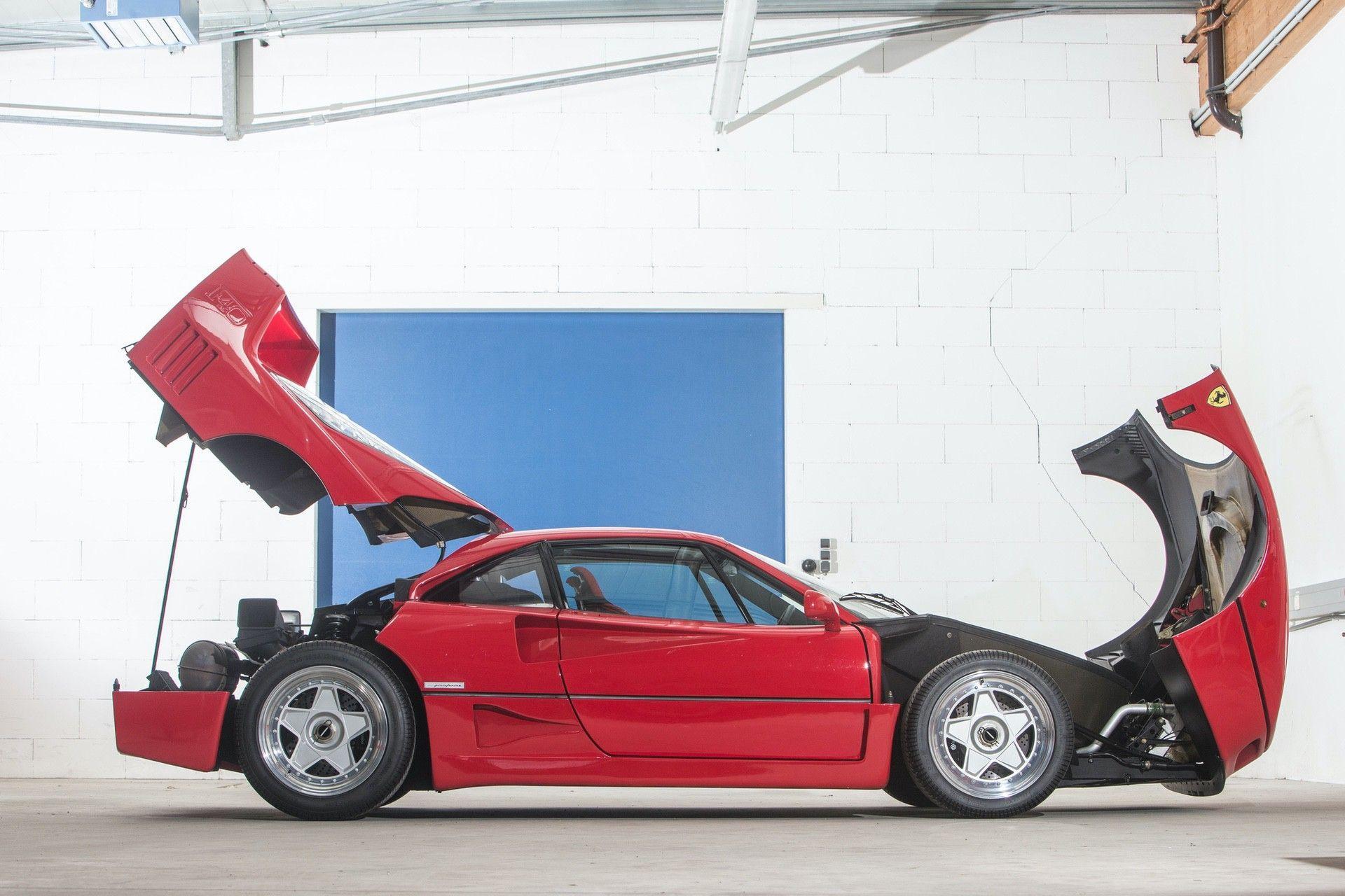 Gerhard_Berger_Ferrari_F40_0028
