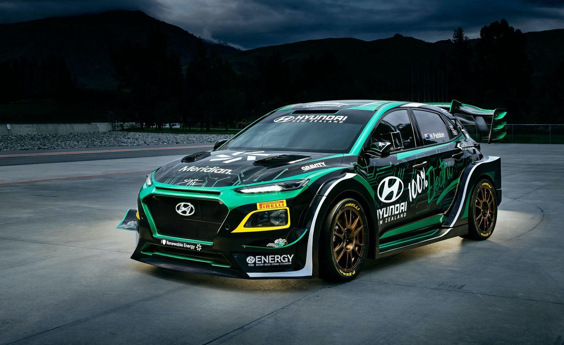 Hyundai_EV_rally_car_0003